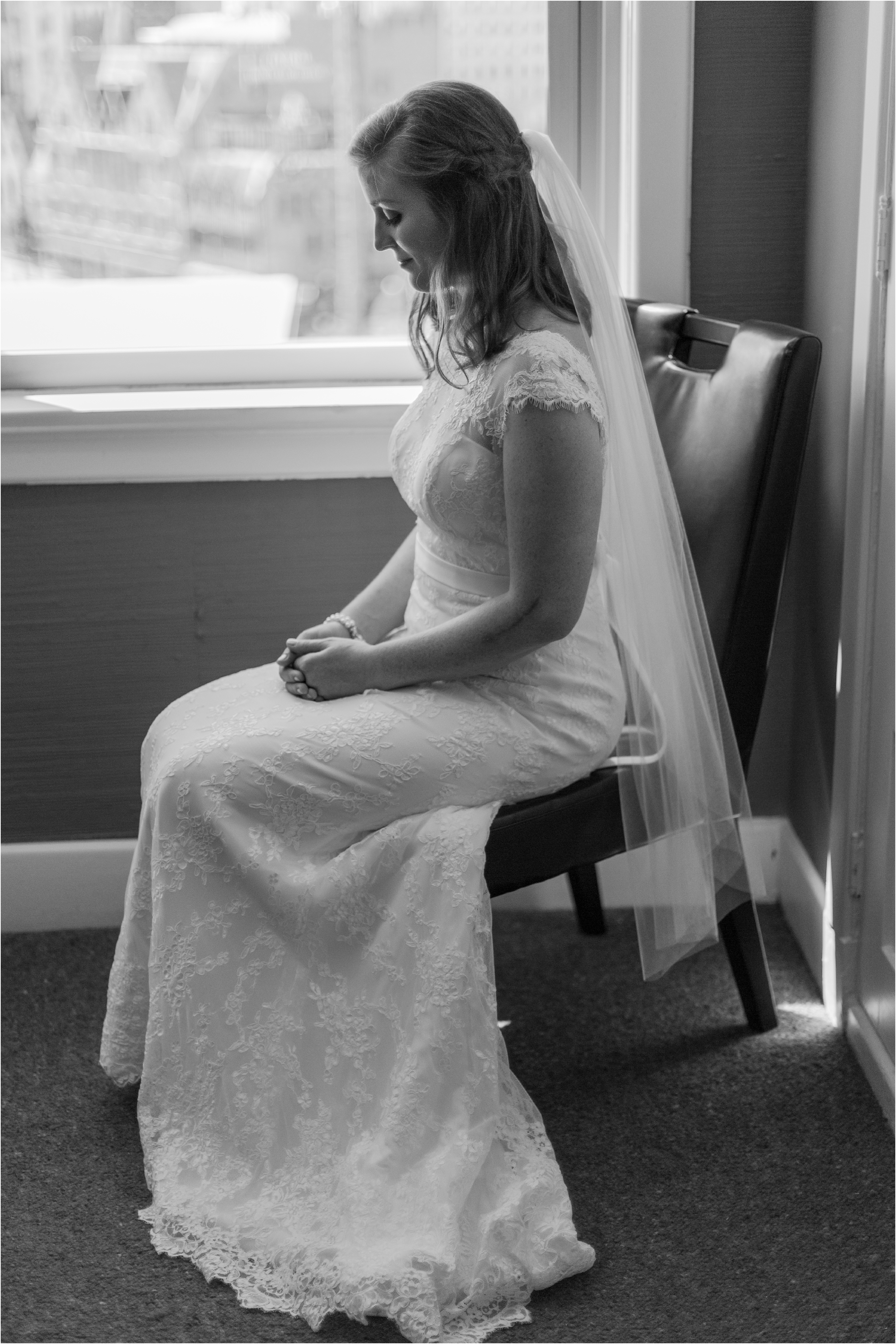 best-of-2016-wedding-photos-with-courtney-carolyn-photography-romantic-timeless-candid-wedding-photographer-in-detroit-mi_0164.jpg