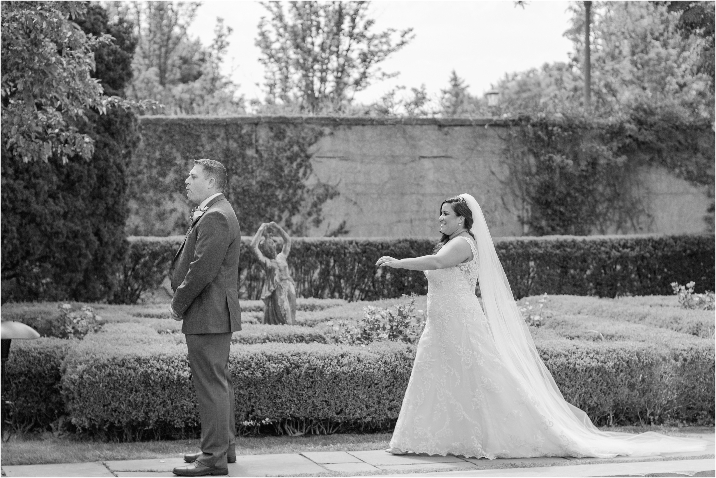 best-of-2016-wedding-photos-with-courtney-carolyn-photography-romantic-timeless-candid-wedding-photographer-in-detroit-mi_0042.jpg