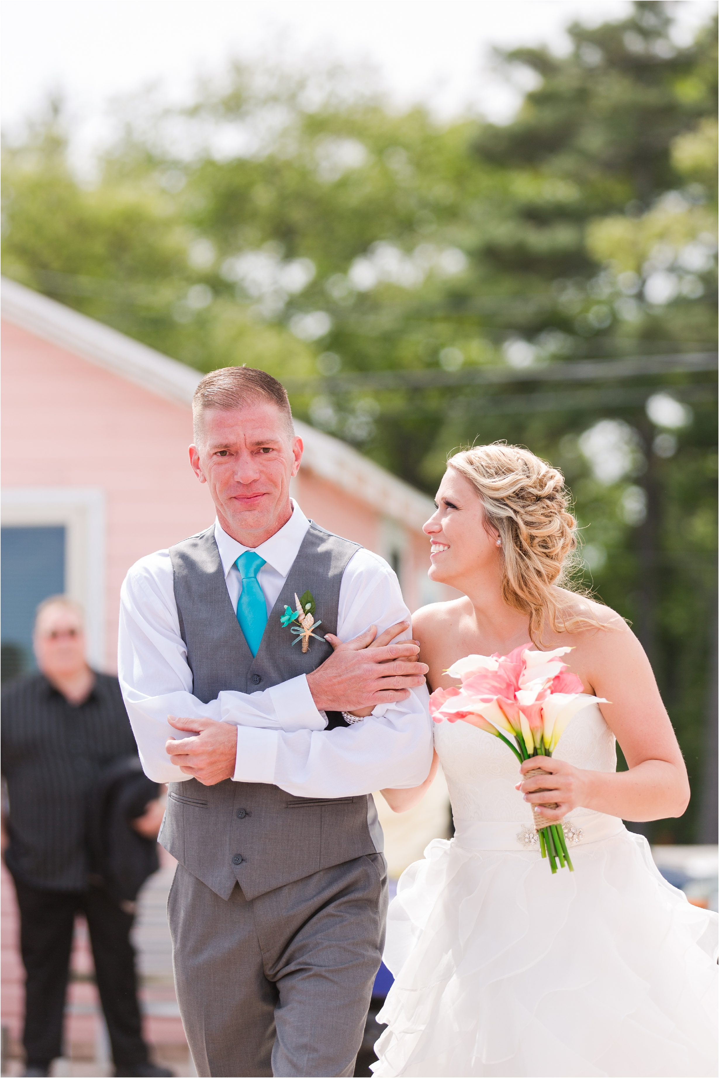 best-of-2016-wedding-photos-with-courtney-carolyn-photography-romantic-timeless-candid-wedding-photographer-in-detroit-mi_0174.jpg