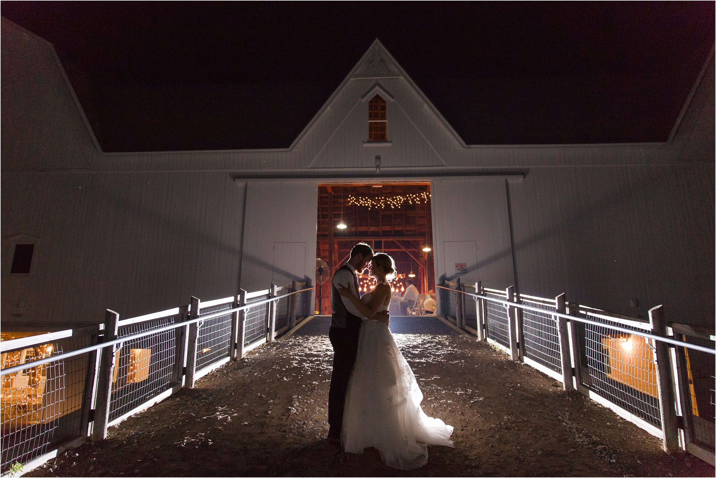 best-of-2016-wedding-photos-with-courtney-carolyn-photography-romantic-timeless-candid-wedding-photographer-in-detroit-mi_0039.jpg