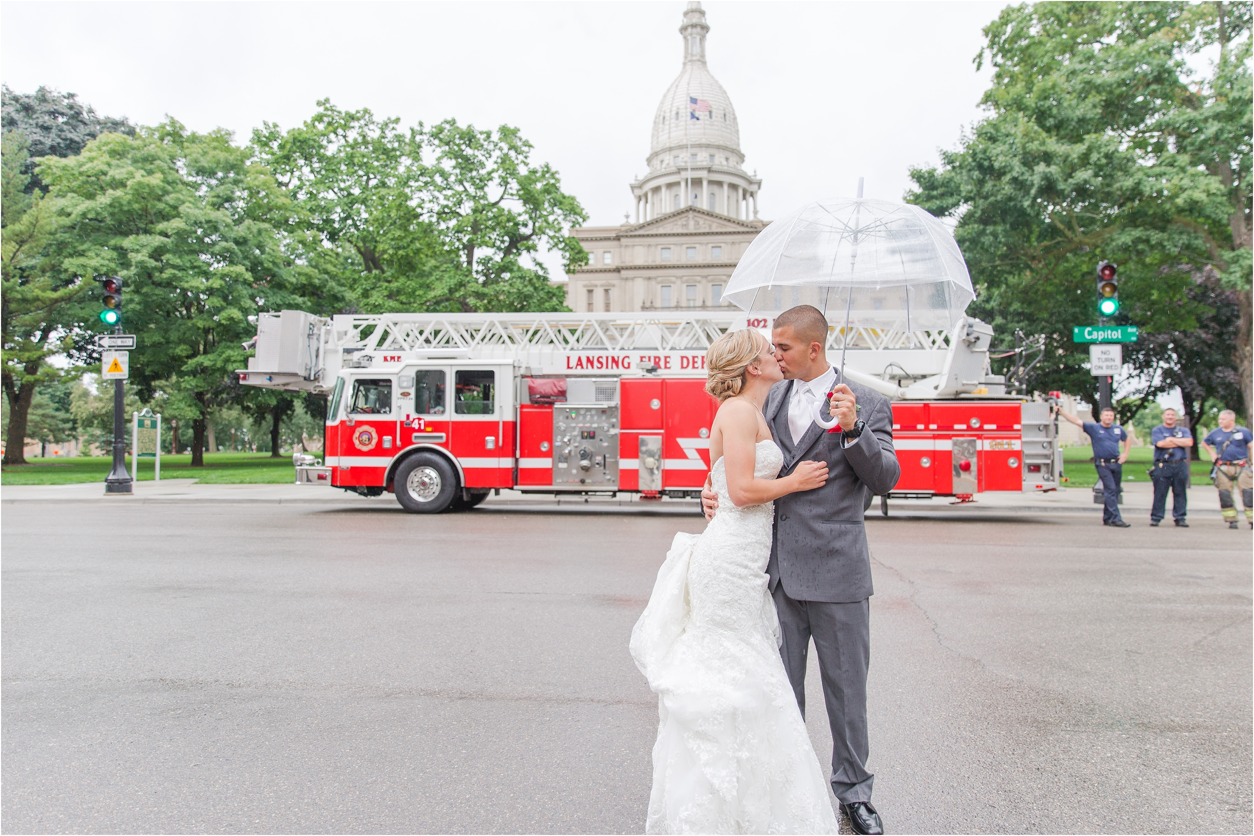 best-of-2016-wedding-photos-with-courtney-carolyn-photography-romantic-timeless-candid-wedding-photographer-in-detroit-mi_0096.jpg