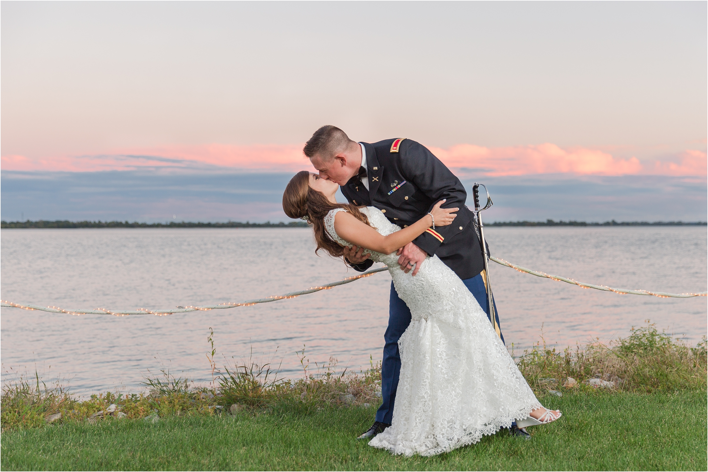 best-of-2016-wedding-photos-with-courtney-carolyn-photography-romantic-timeless-candid-wedding-photographer-in-detroit-mi_0117.jpg
