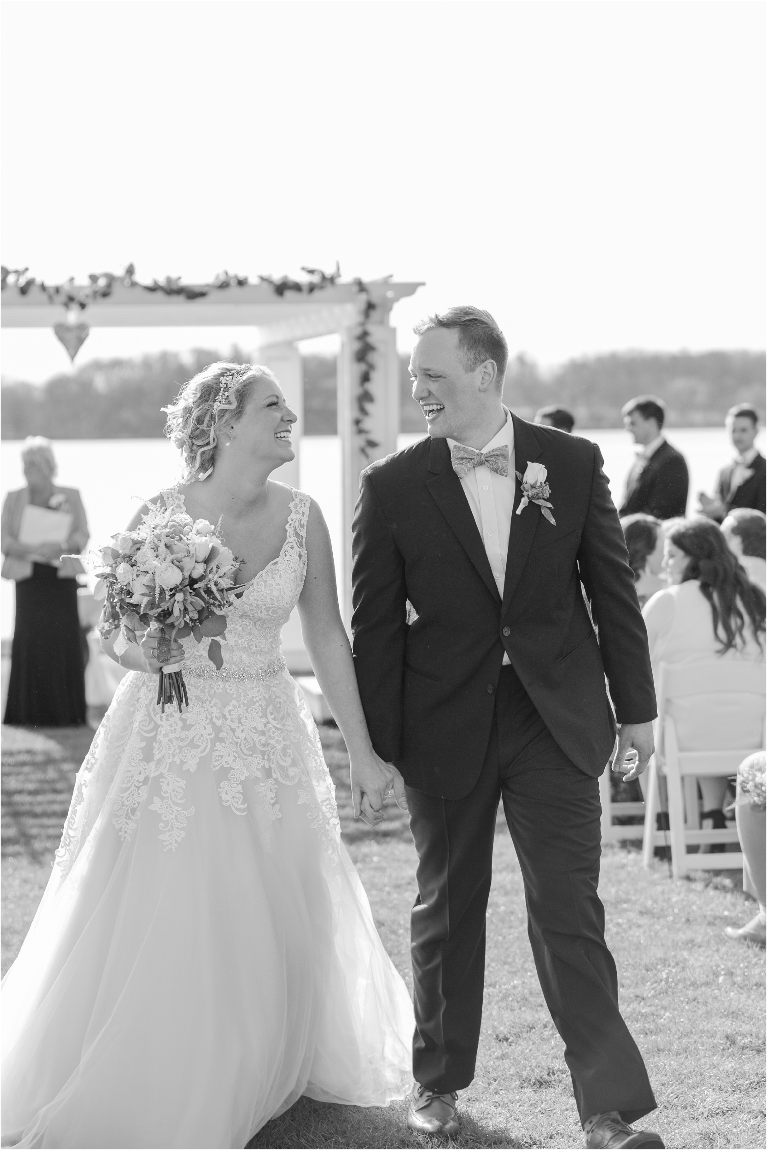 best-of-2016-wedding-photos-with-courtney-carolyn-photography-romantic-timeless-candid-wedding-photographer-in-detroit-mi_0159.jpg