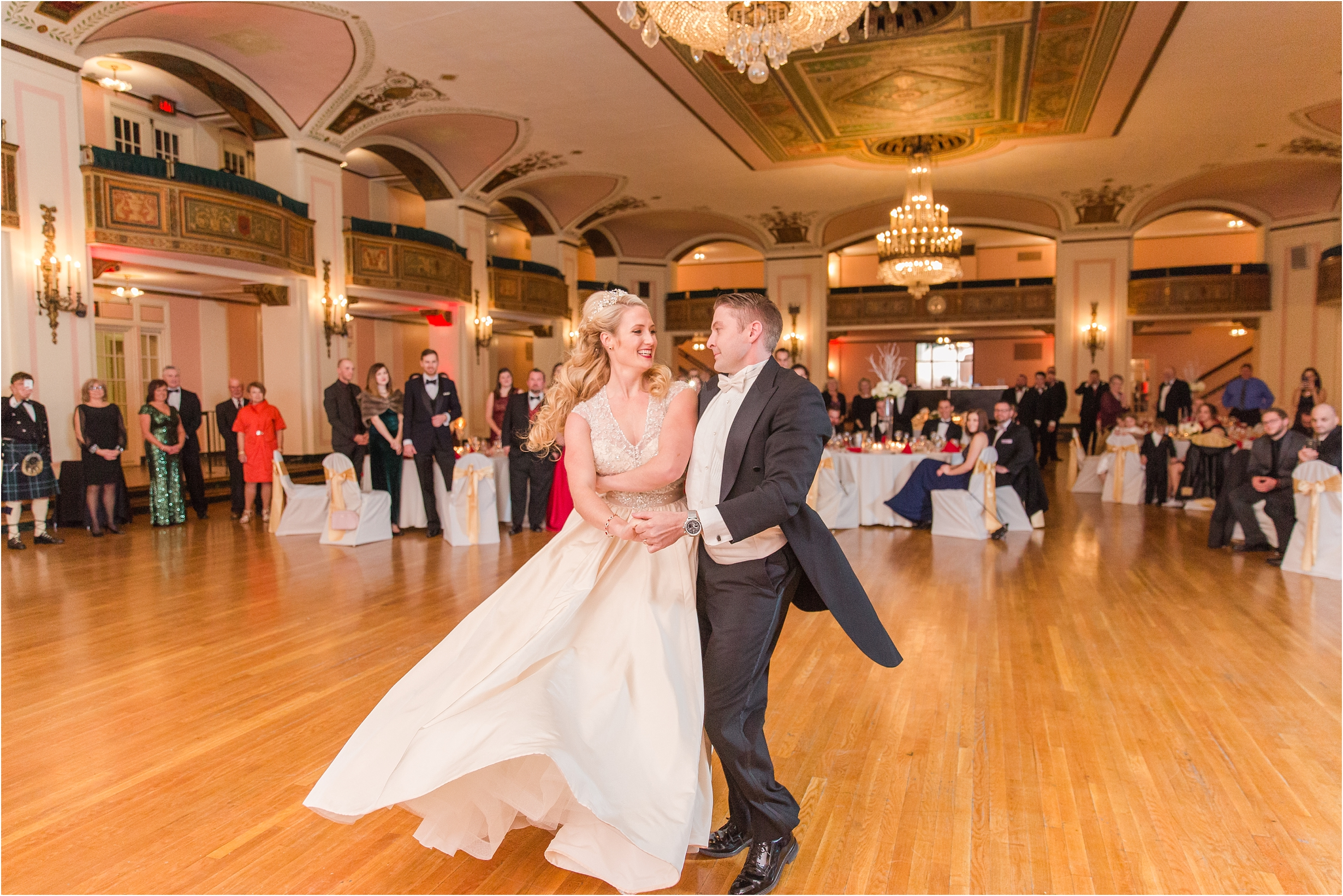 best-of-2016-wedding-photos-with-courtney-carolyn-photography-romantic-timeless-candid-wedding-photographer-in-detroit-mi_0067.jpg
