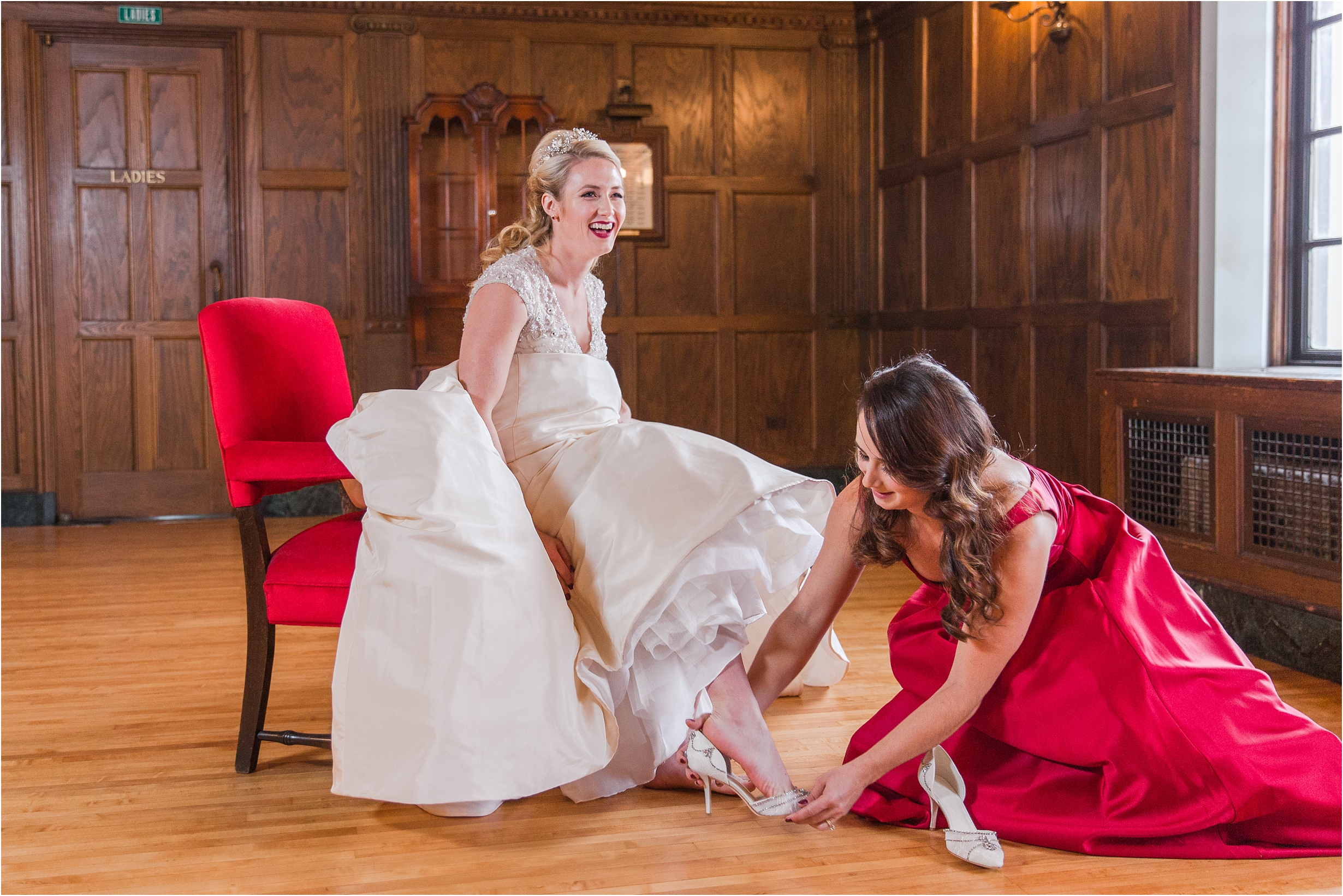 best-of-2016-wedding-photos-with-courtney-carolyn-photography-romantic-timeless-candid-wedding-photographer-in-detroit-mi_0063.jpg