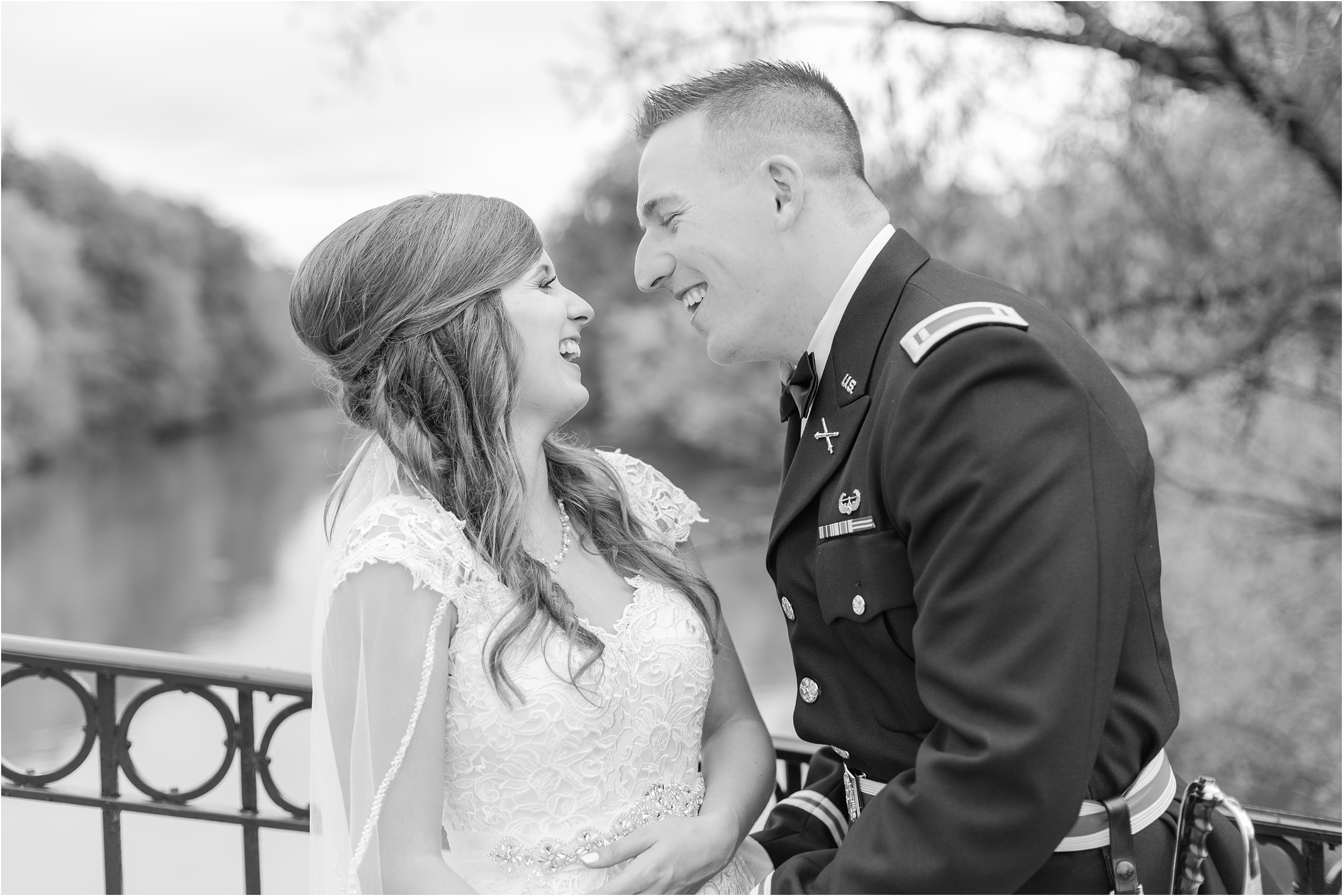 best-of-2016-wedding-photos-with-courtney-carolyn-photography-romantic-timeless-candid-wedding-photographer-in-detroit-mi_0116.jpg