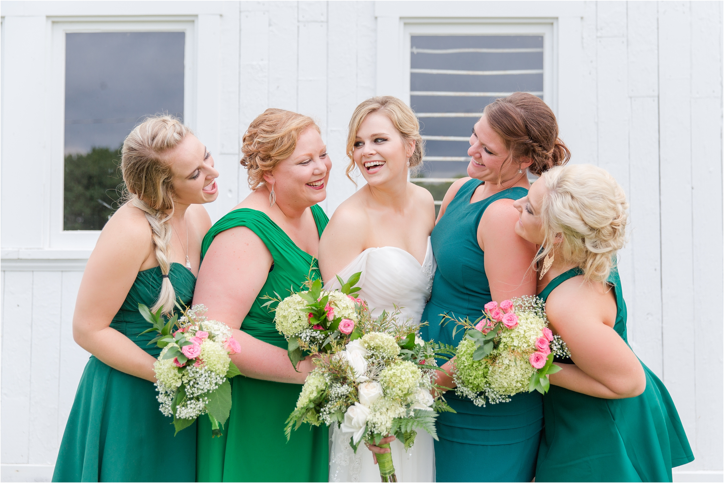 best-of-2016-wedding-photos-with-courtney-carolyn-photography-romantic-timeless-candid-wedding-photographer-in-detroit-mi_0035.jpg