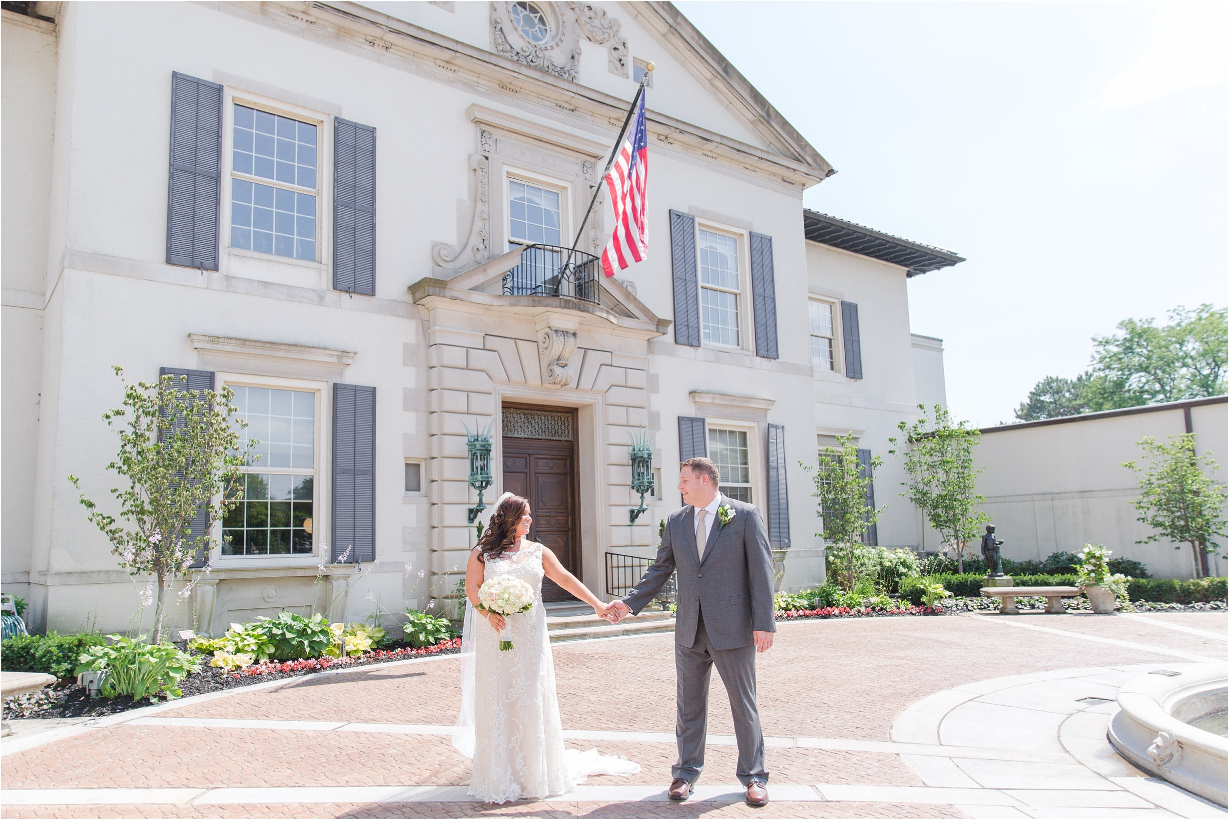 romantic-timeless-candid-wedding-photos-at-the-war-memorial-in-grosse-pointe-mi-by-courtney-carolyn-photography_0005.jpg