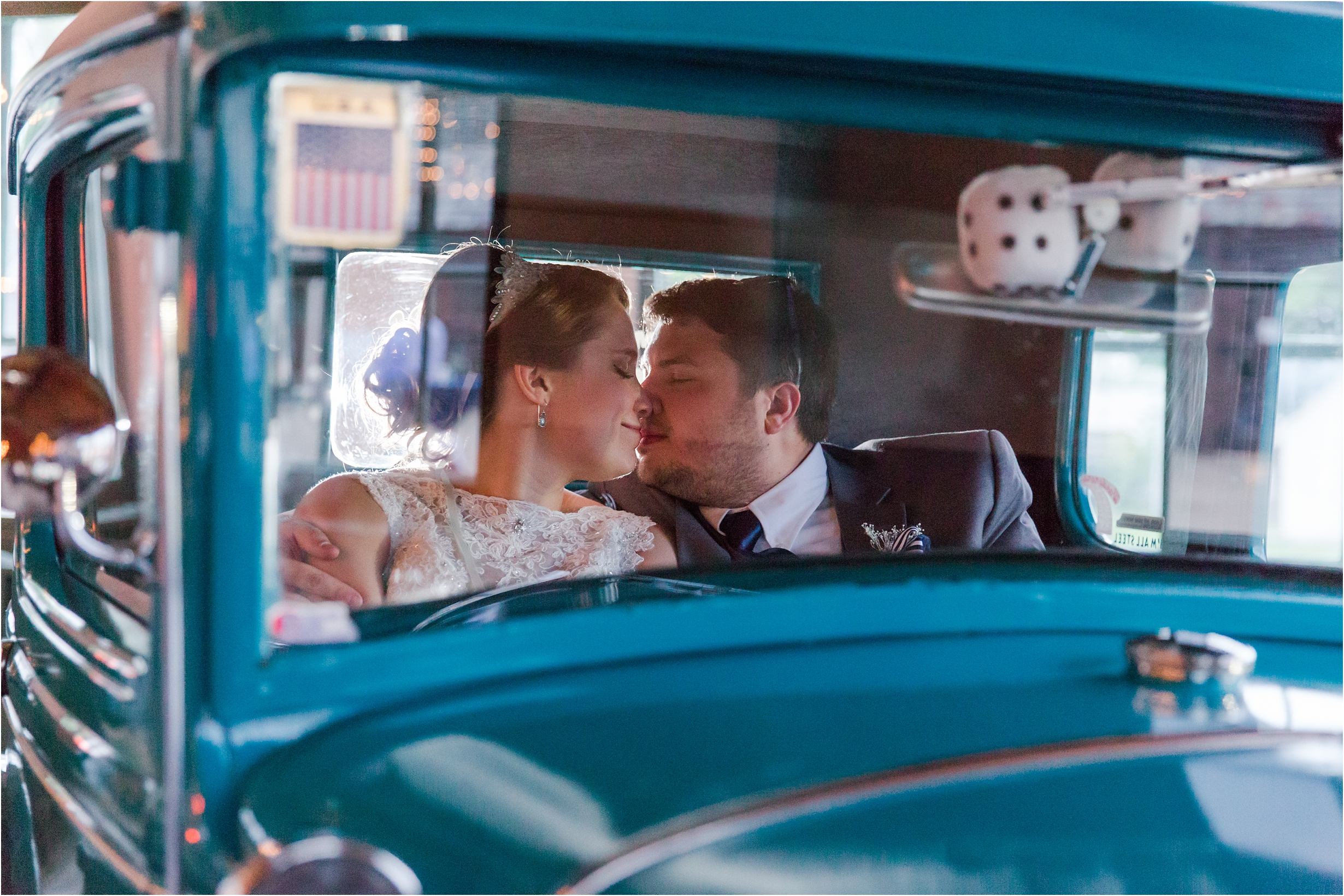 romantic-timeless-candid-wedding-photos-at-the-packard-proving-grounds-by-courtney-carolyn-photography_0009.jpg