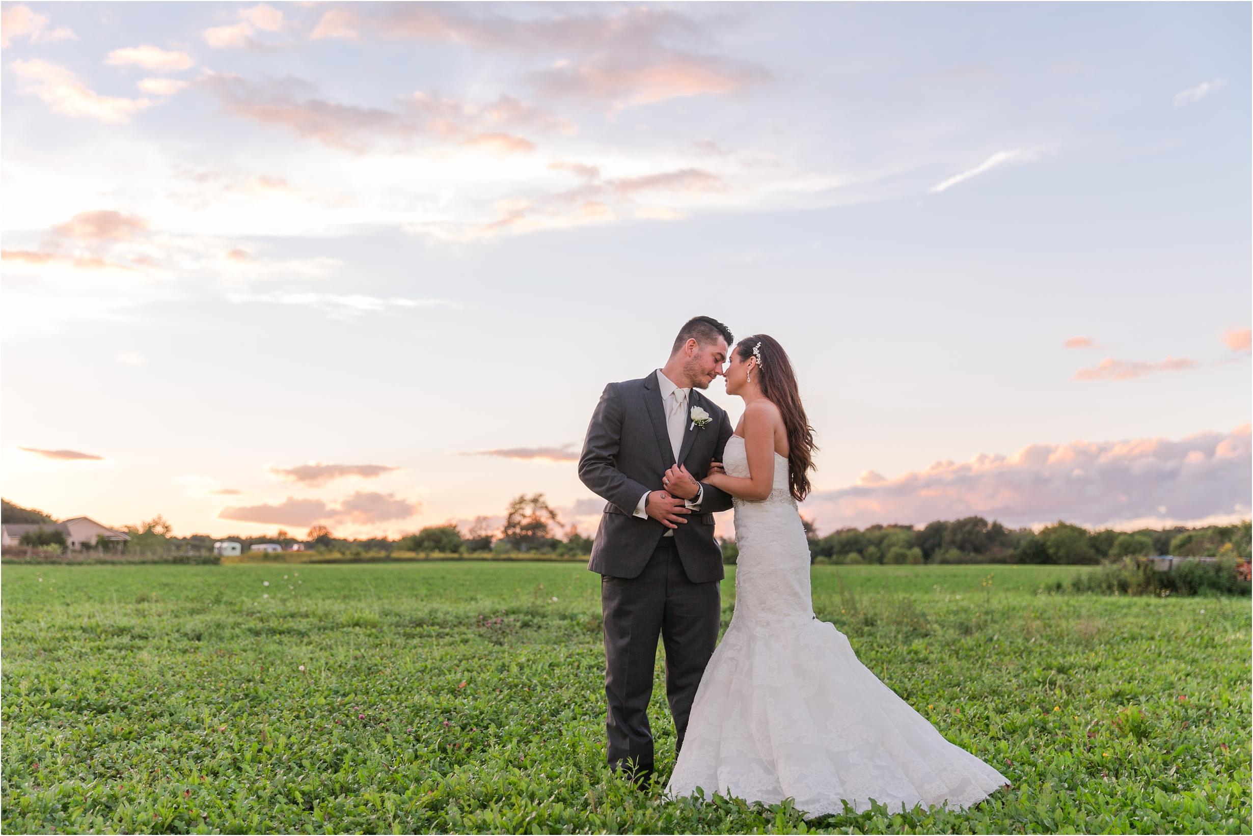 romantic-timeless-candid-wedding-photos-at-the-valley-frutig-farms-in-ann-arbor-mi-by-courtney-carolyn-photography_0009.jpg