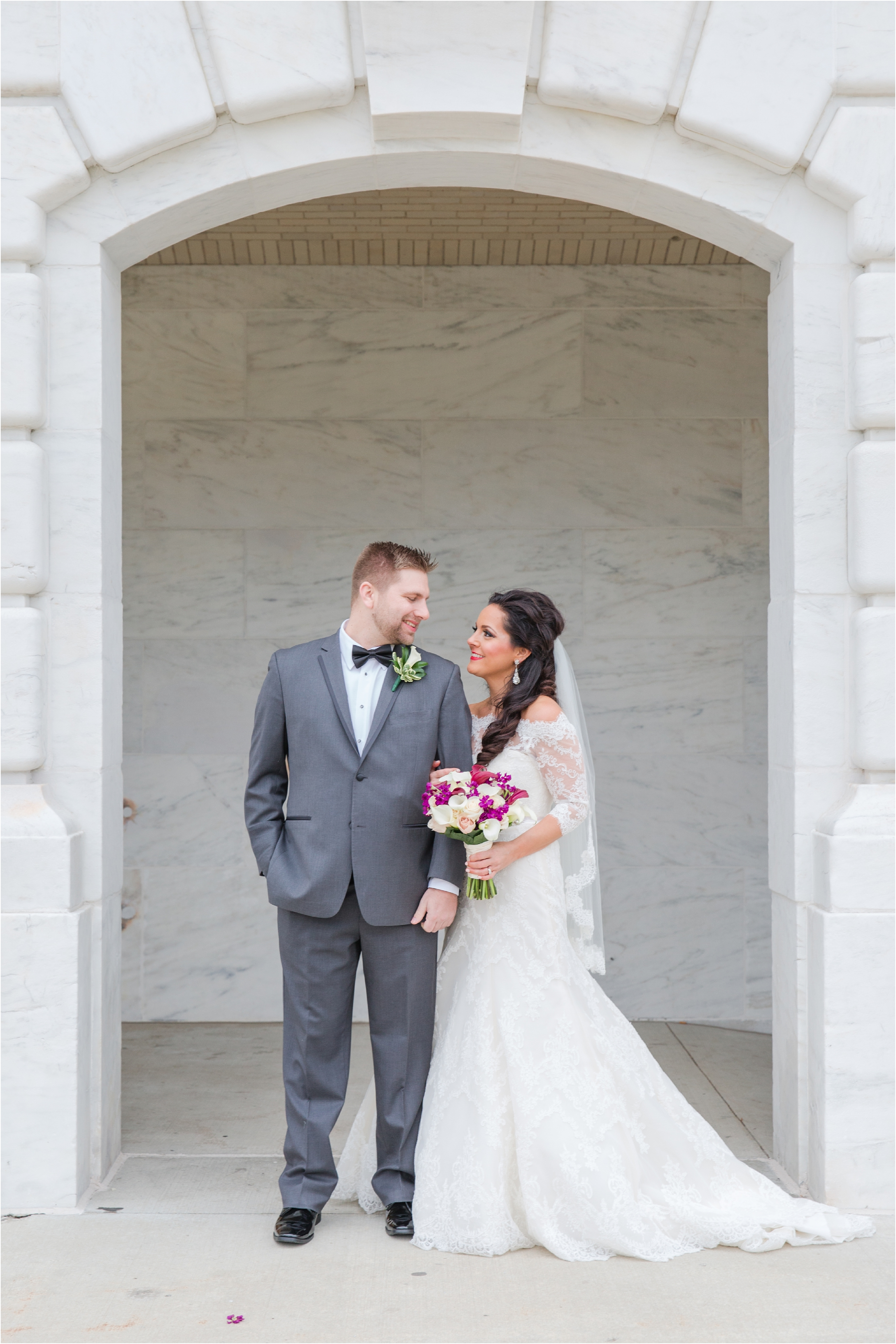 romantic-timeless-candid-wedding-photos-at-the-detroit-institute-of-arts-in-detroit-mi-by-courtney-carolyn-photography_0007.jpg