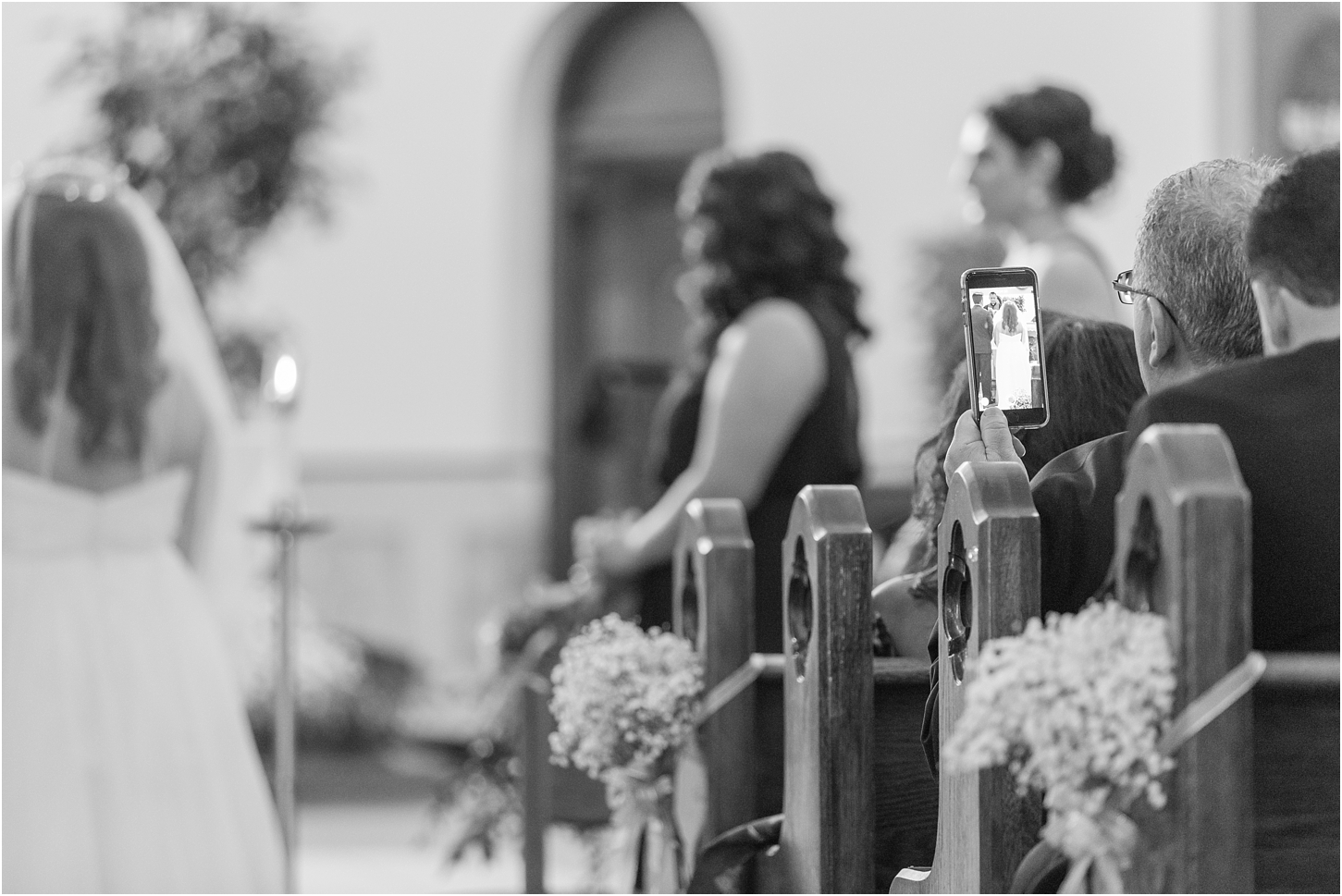 why-you-should-have-an-unplugged-wedding-by-courtney-carolyn-photography_0035.jpg