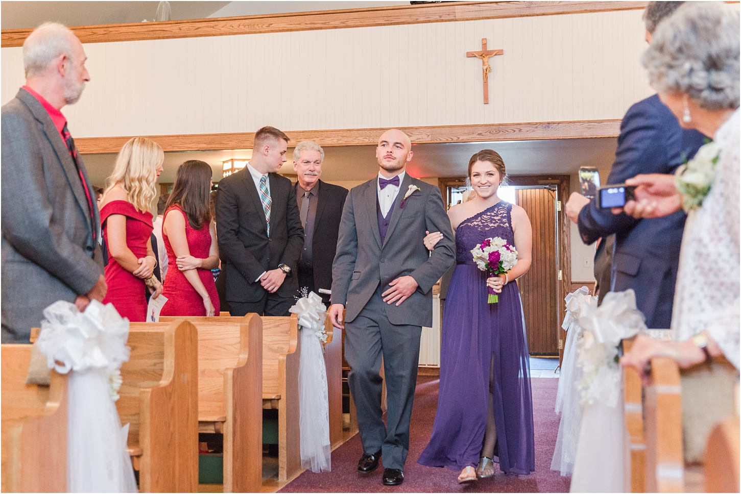 why-you-should-have-an-unplugged-wedding-by-courtney-carolyn-photography_0030.jpg