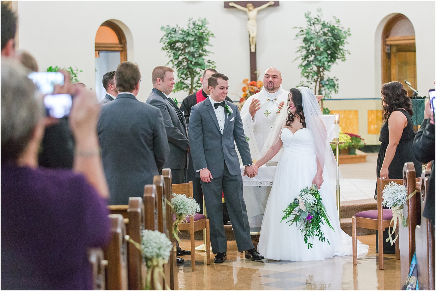 why-you-should-have-an-unplugged-wedding-by-courtney-carolyn-photography_0039.jpg