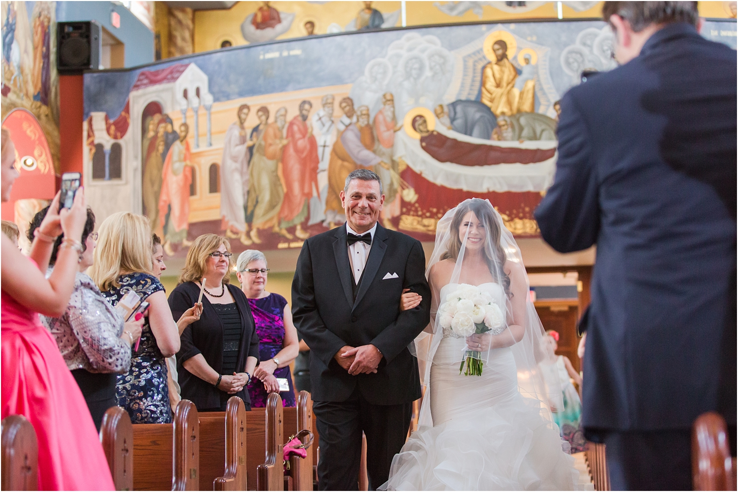 why-you-should-have-an-unplugged-wedding-by-courtney-carolyn-photography_0005.jpg