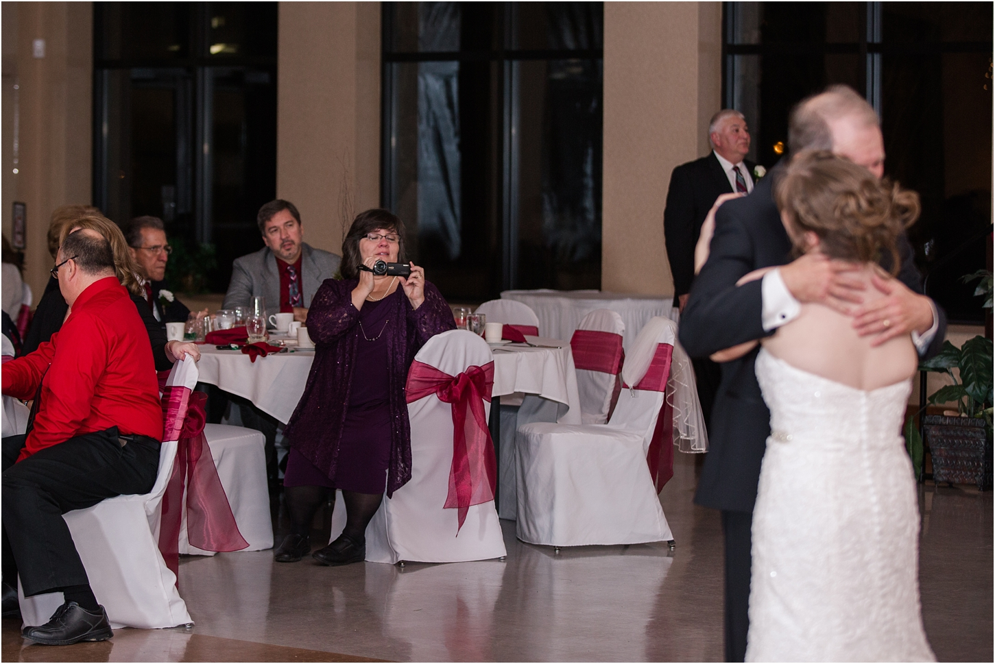 why-you-should-have-an-unplugged-wedding-by-courtney-carolyn-photography_0054.jpg
