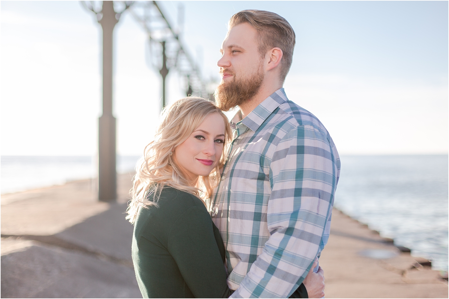 romantic-sunset-beach-engagement-photos-at-silver-beach-in-saint-joseph-mi-by-courtney-carolyn-photography_0006.jpg