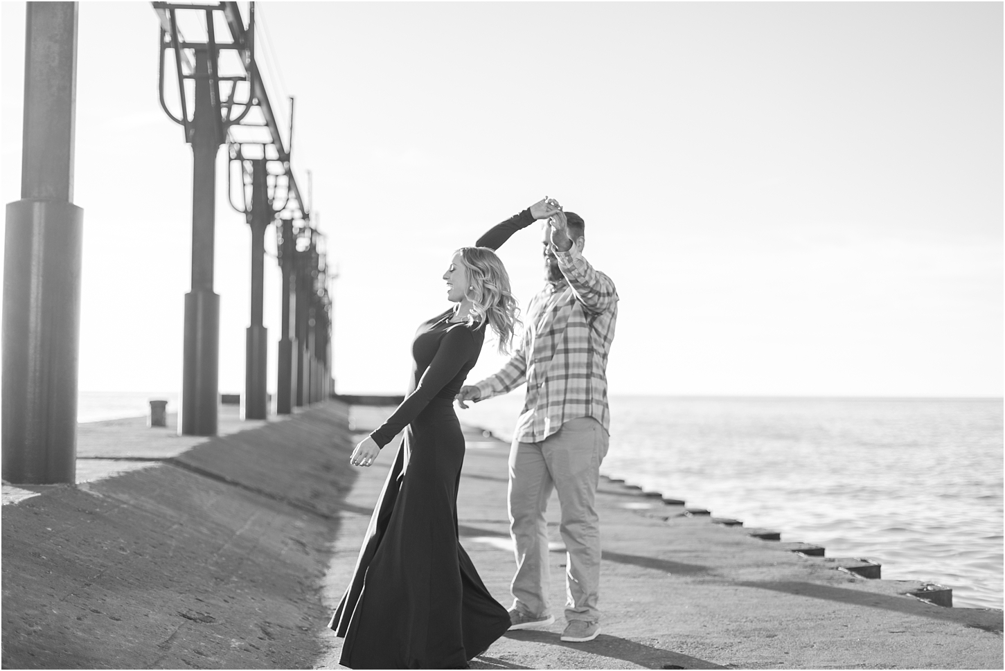 romantic-sunset-beach-engagement-photos-at-silver-beach-in-saint-joseph-mi-by-courtney-carolyn-photography_0011.jpg