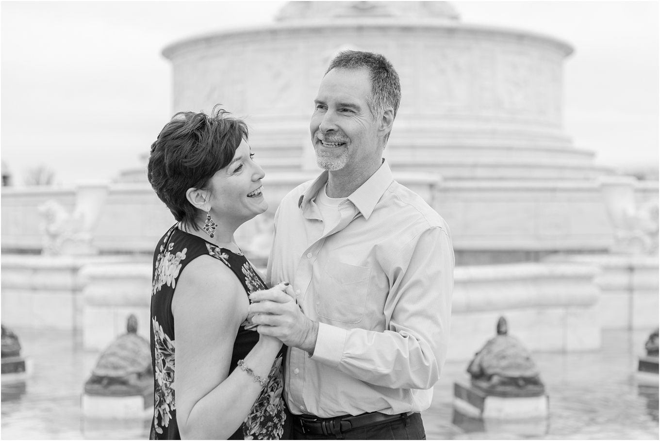 downtown-detroit-engagement-photos-on-belle-isle-by-courtney-carolyn-photography_0003.jpg