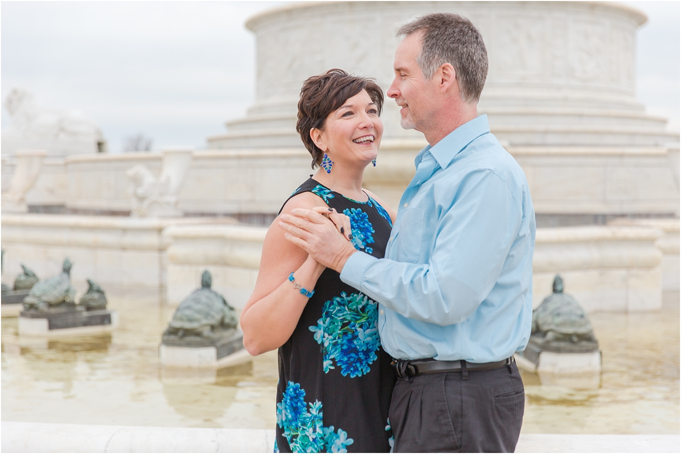 downtown-detroit-engagement-photos-on-belle-isle-by-courtney-carolyn-photography_0016.jpg