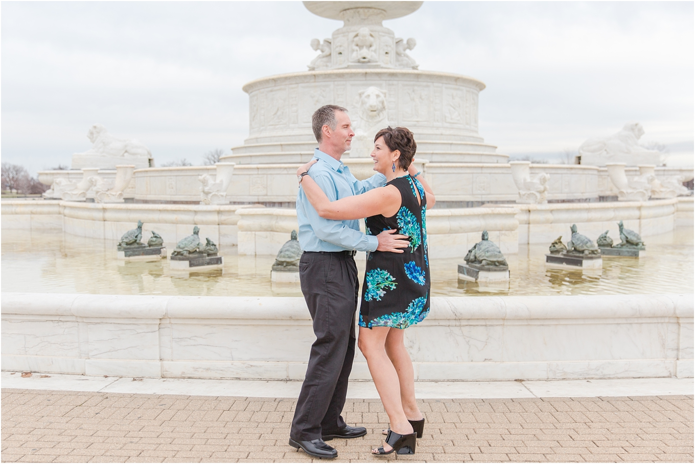downtown-detroit-engagement-photos-on-belle-isle-by-courtney-carolyn-photography_0021.jpg