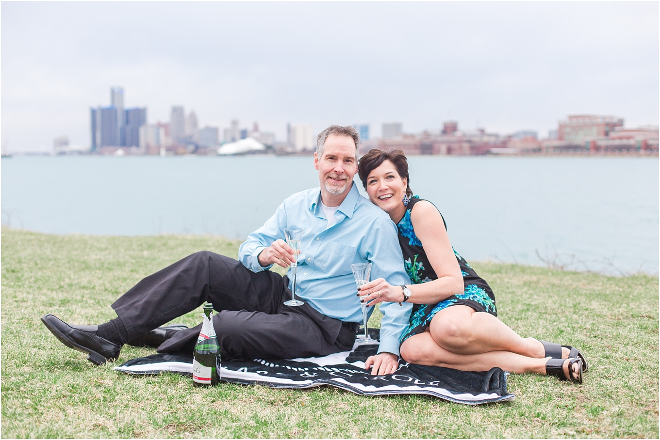 downtown-detroit-engagement-photos-on-belle-isle-by-courtney-carolyn-photography_0034.jpg