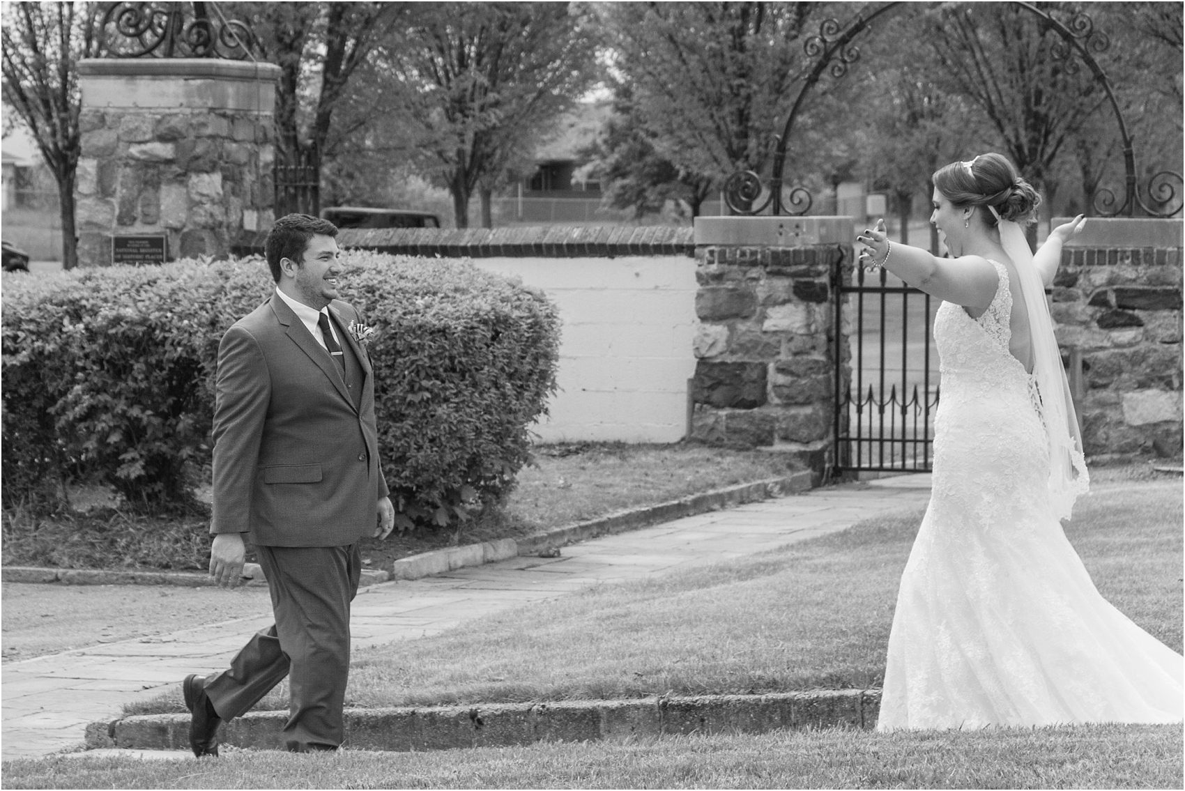 top-five-reasons-to-have-a-first-look-on-your-wedding-day-photos-by-courtney-carolyn-photography_0040.jpg