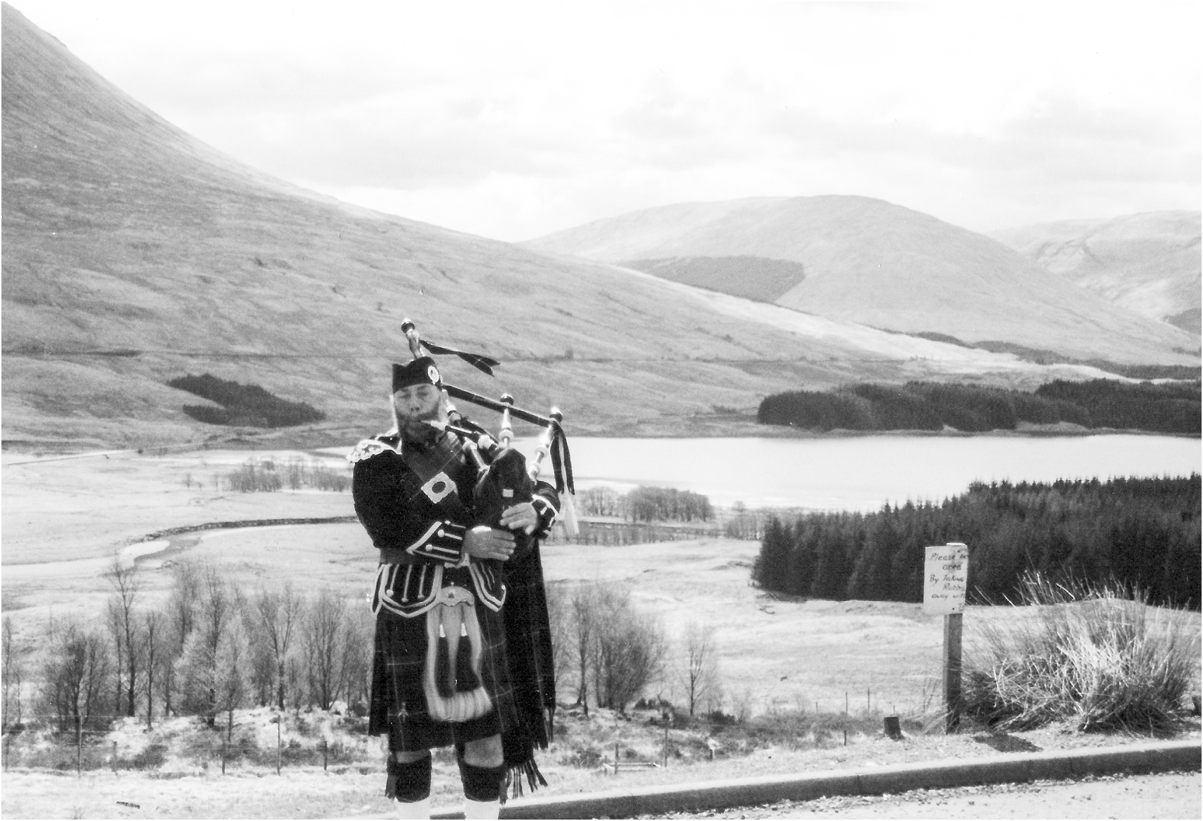 scotland-and-london-travel-photos-by-courtney-carolyn-photography-detroit-wedding-photographer_0004.jpg