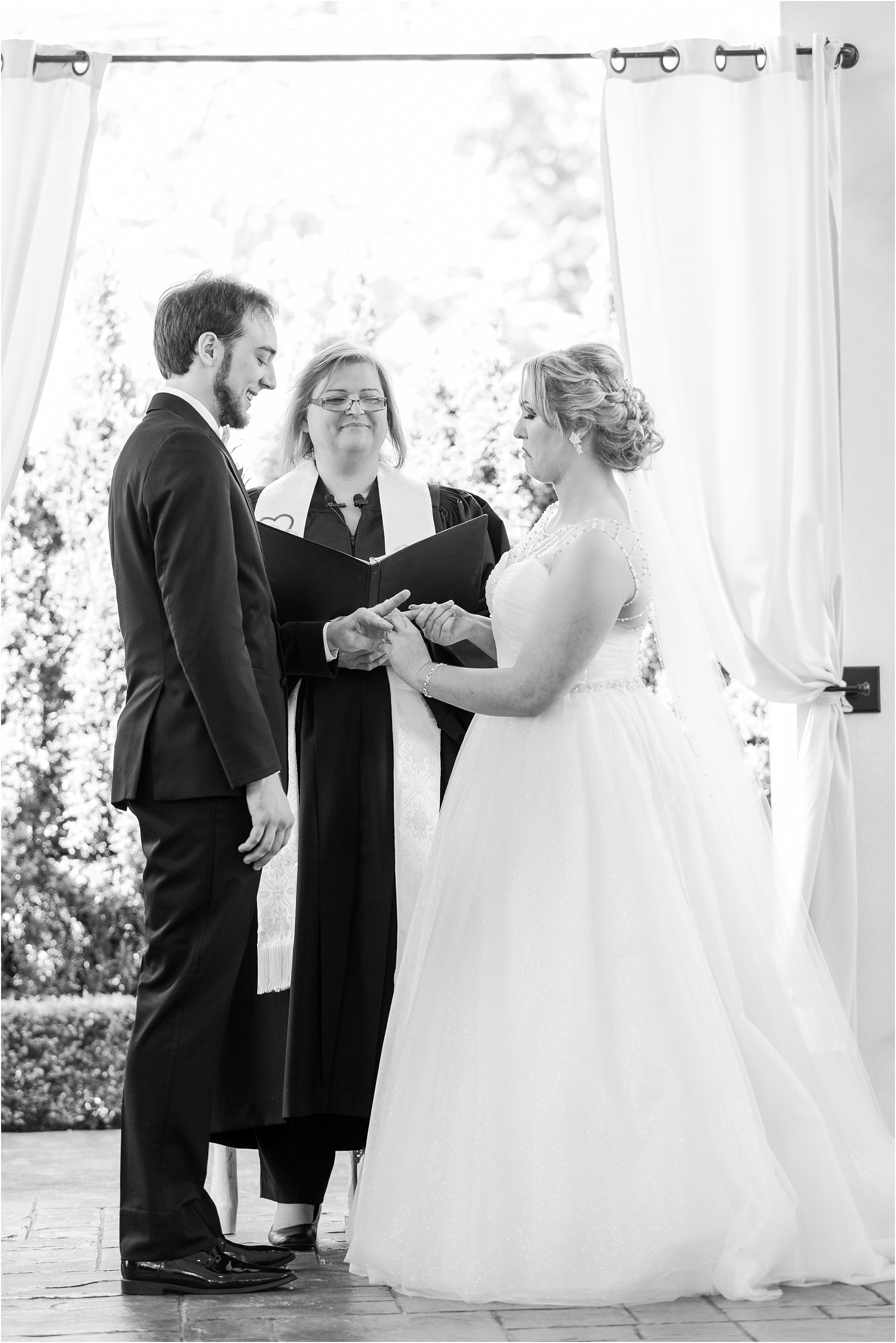 lord-of-the-rings-inspired-wedding-photos-at-crystal-gardens-in-howell-mi-by-courtney-carolyn-photography_0045.jpg