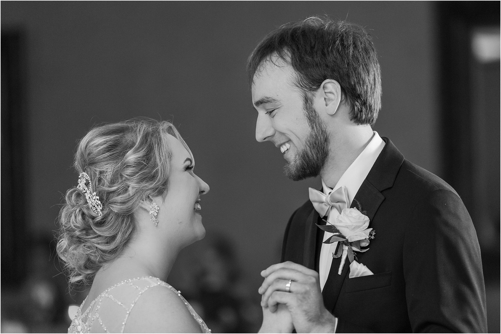 lord-of-the-rings-inspired-wedding-photos-at-crystal-gardens-in-howell-mi-by-courtney-carolyn-photography_0067.jpg