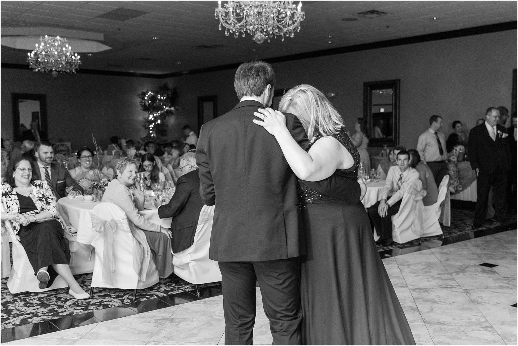 lord-of-the-rings-inspired-wedding-photos-at-crystal-gardens-in-howell-mi-by-courtney-carolyn-photography_0090.jpg