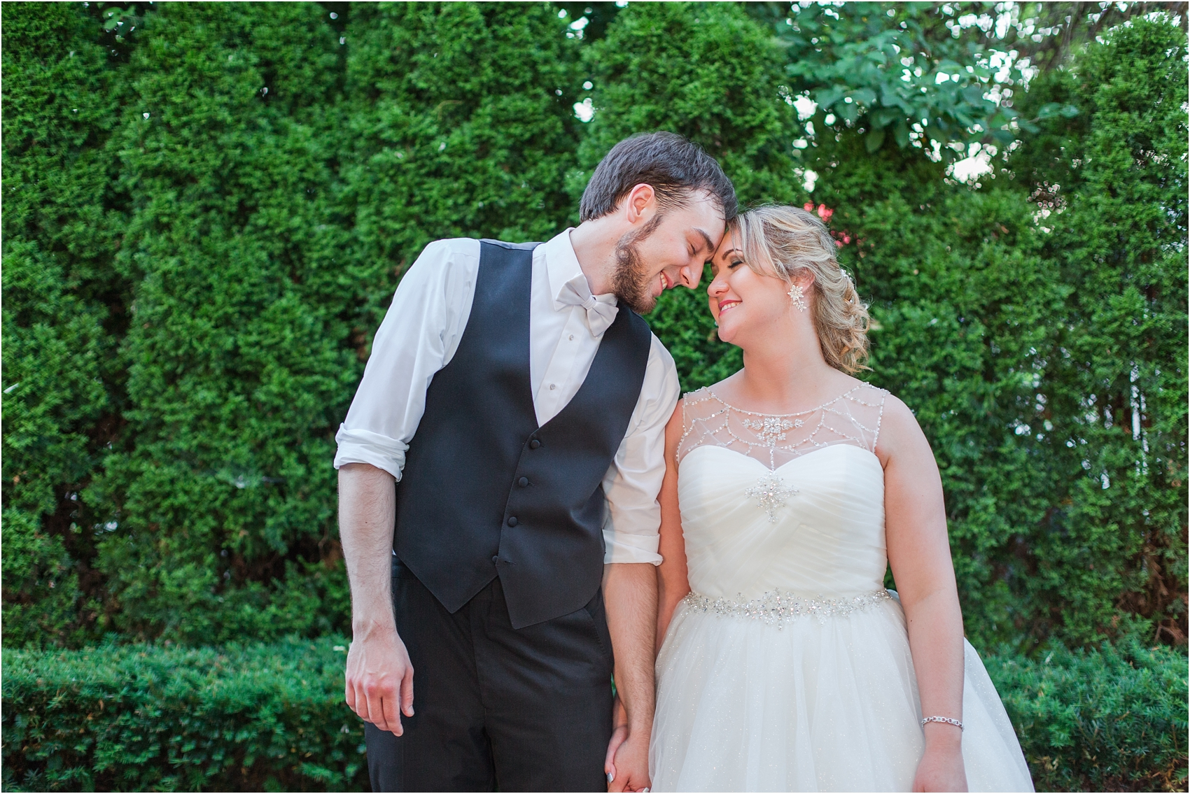 lord-of-the-rings-inspired-wedding-photos-at-crystal-gardens-in-howell-mi-by-courtney-carolyn-photography_0100.jpg
