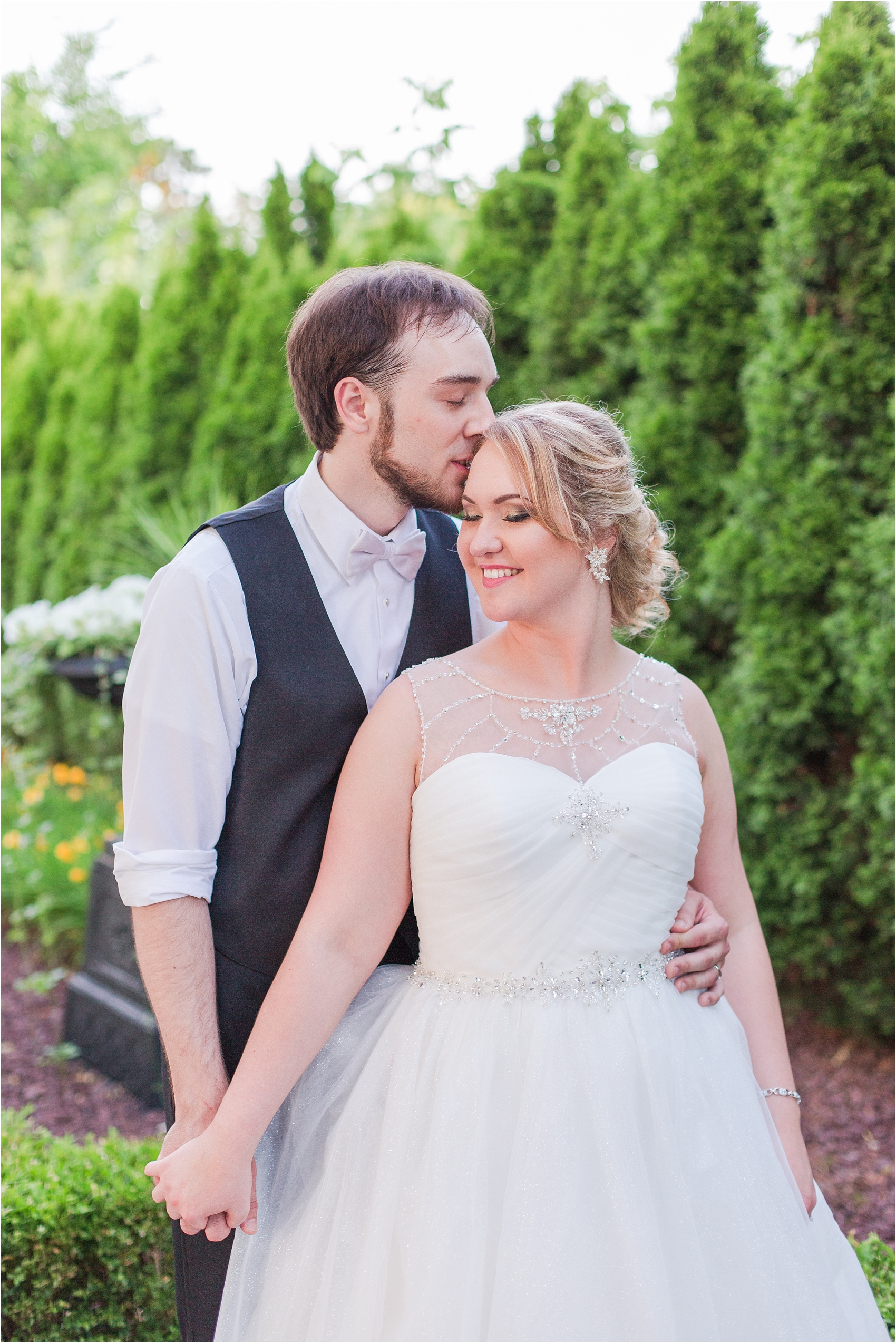 lord-of-the-rings-inspired-wedding-photos-at-crystal-gardens-in-howell-mi-by-courtney-carolyn-photography_0099.jpg