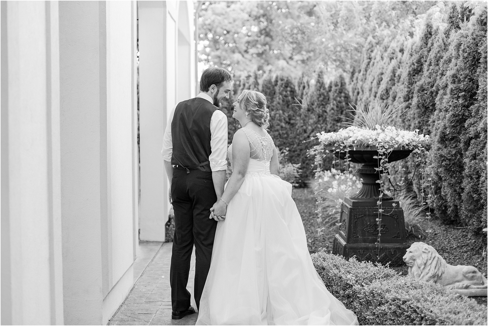 lord-of-the-rings-inspired-wedding-photos-at-crystal-gardens-in-howell-mi-by-courtney-carolyn-photography_0101.jpg