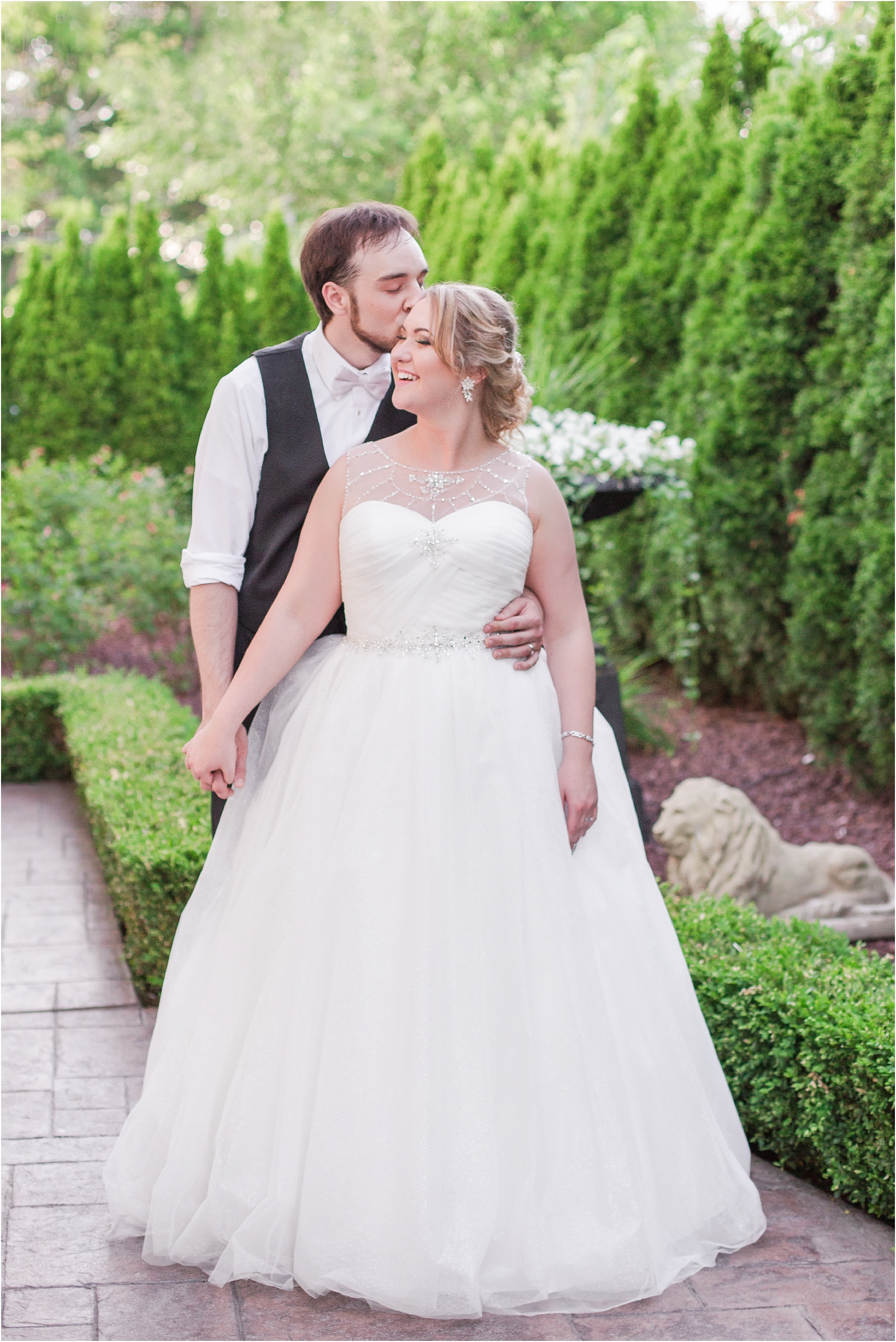lord-of-the-rings-inspired-wedding-photos-at-crystal-gardens-in-howell-mi-by-courtney-carolyn-photography_0107.jpg