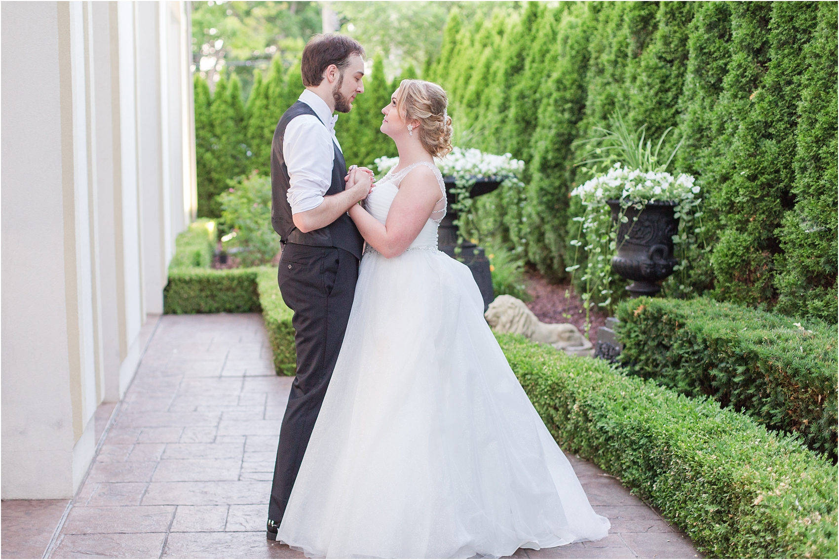 lord-of-the-rings-inspired-wedding-photos-at-crystal-gardens-in-howell-mi-by-courtney-carolyn-photography_0114.jpg