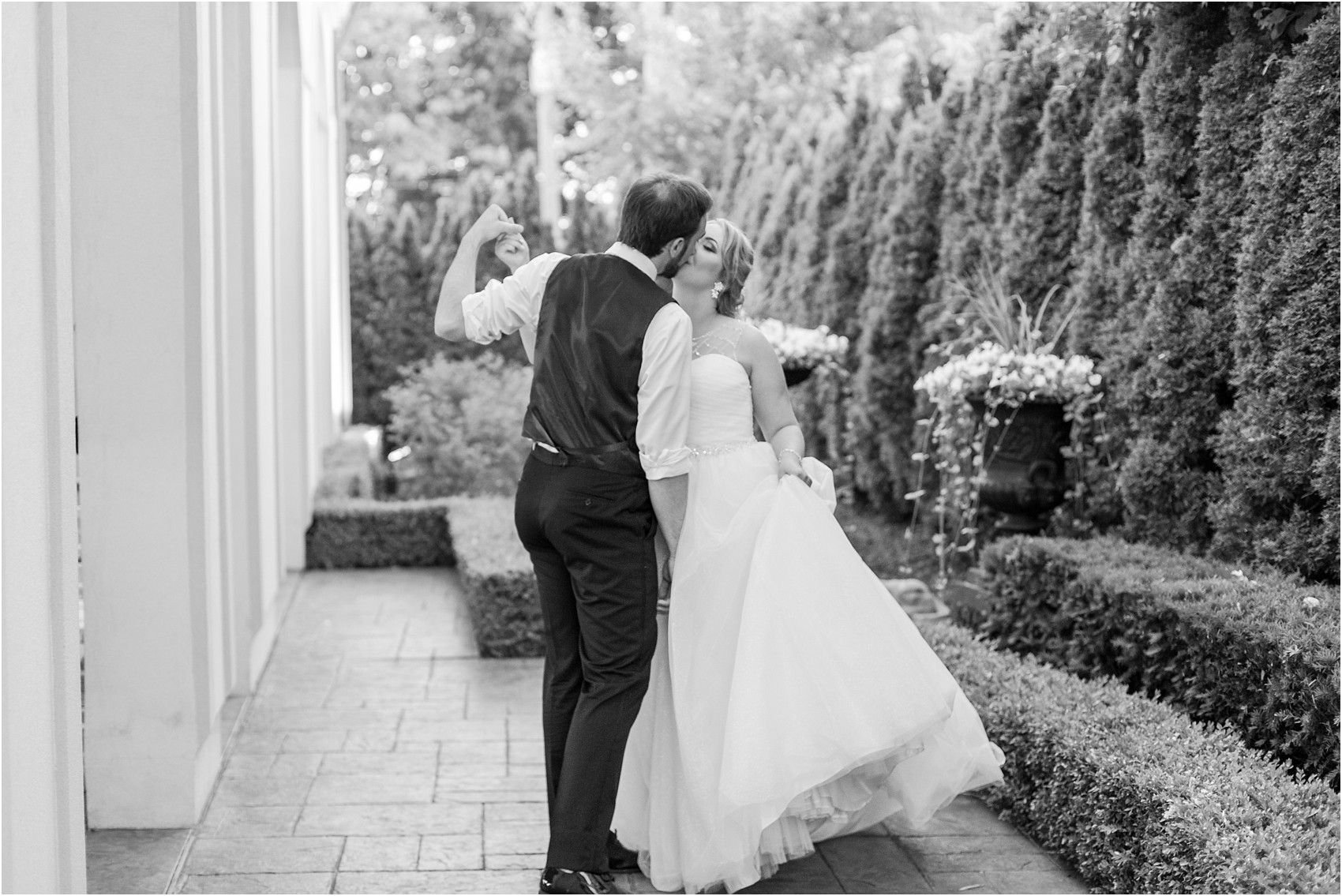 lord-of-the-rings-inspired-wedding-photos-at-crystal-gardens-in-howell-mi-by-courtney-carolyn-photography_0121.jpg