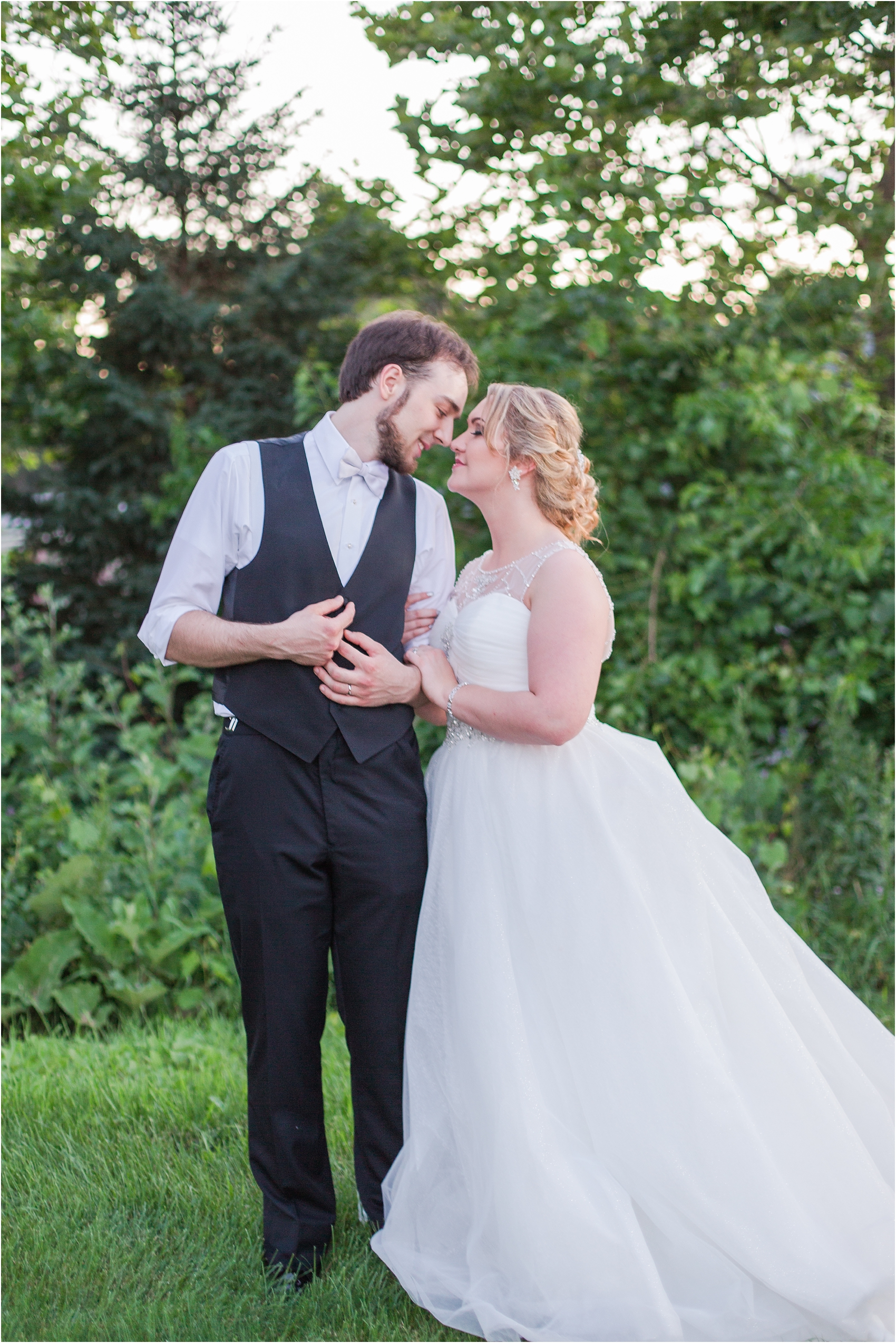 lord-of-the-rings-inspired-wedding-photos-at-crystal-gardens-in-howell-mi-by-courtney-carolyn-photography_0122.jpg