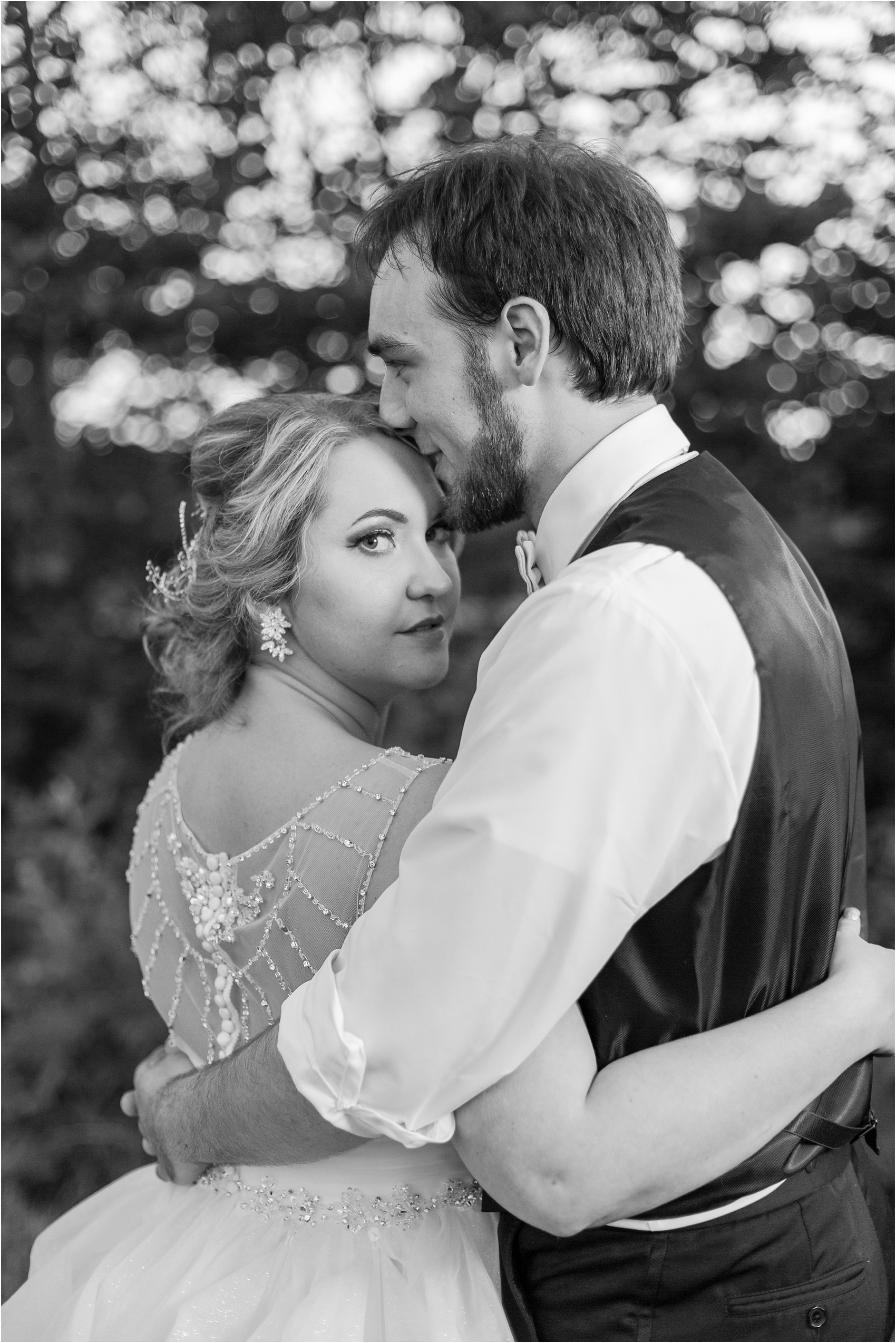 lord-of-the-rings-inspired-wedding-photos-at-crystal-gardens-in-howell-mi-by-courtney-carolyn-photography_0125.jpg