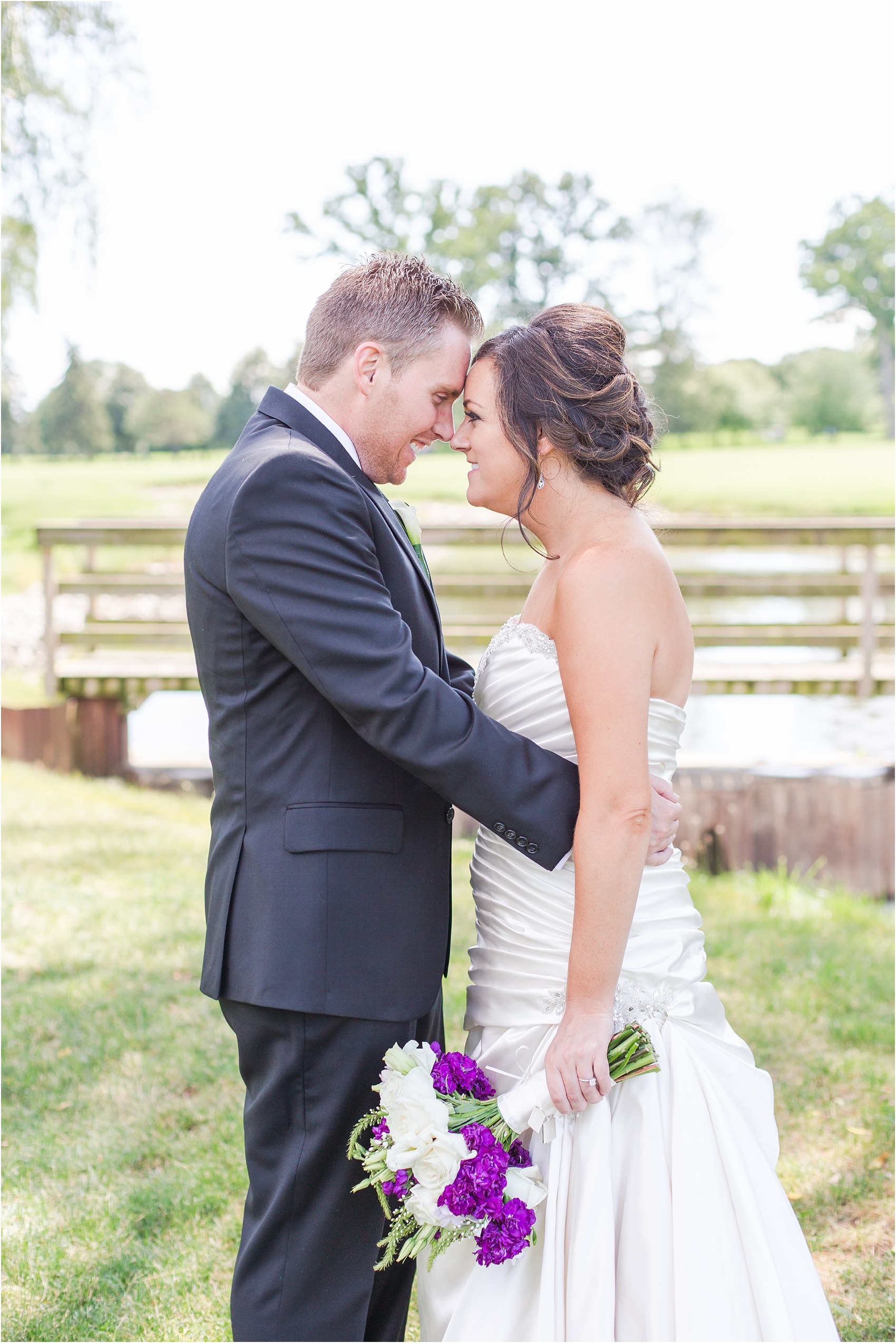 classic-wedding-photos-at-great-oaks-country-club-in-rochester-hills-mi-by-courtney-carolyn-photography_0042.jpg