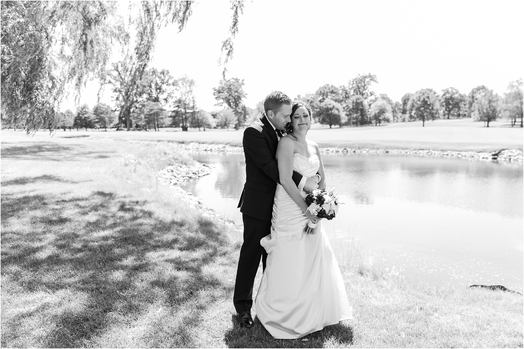 classic-wedding-photos-at-great-oaks-country-club-in-rochester-hills-mi-by-courtney-carolyn-photography_0049.jpg