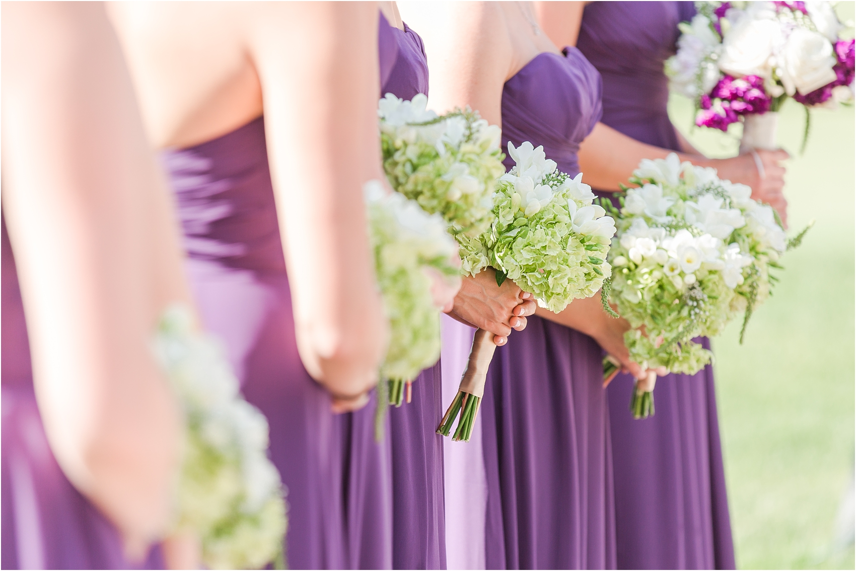 classic-wedding-photos-at-great-oaks-country-club-in-rochester-hills-mi-by-courtney-carolyn-photography_0070.jpg