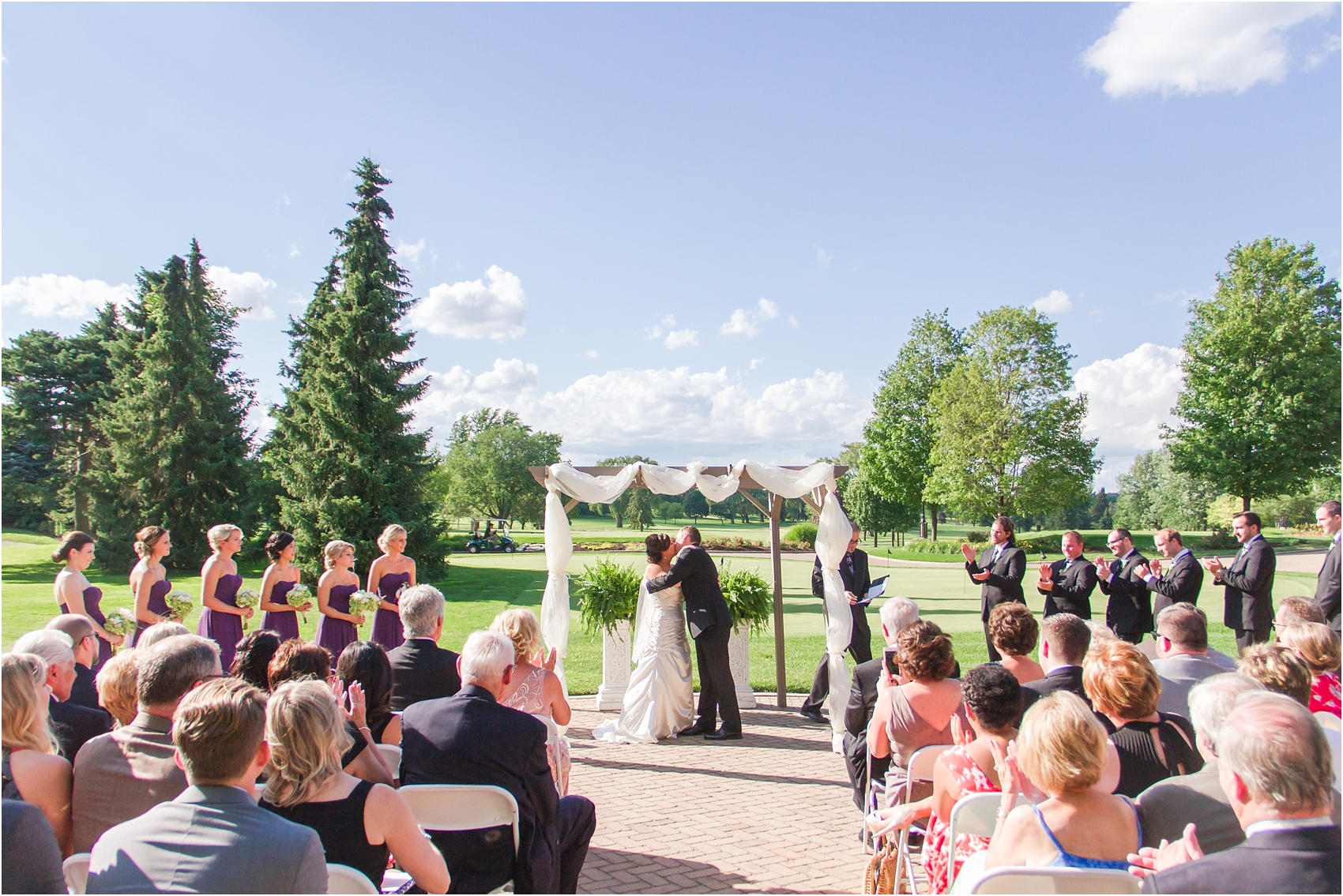 classic-wedding-photos-at-great-oaks-country-club-in-rochester-hills-mi-by-courtney-carolyn-photography_0084.jpg