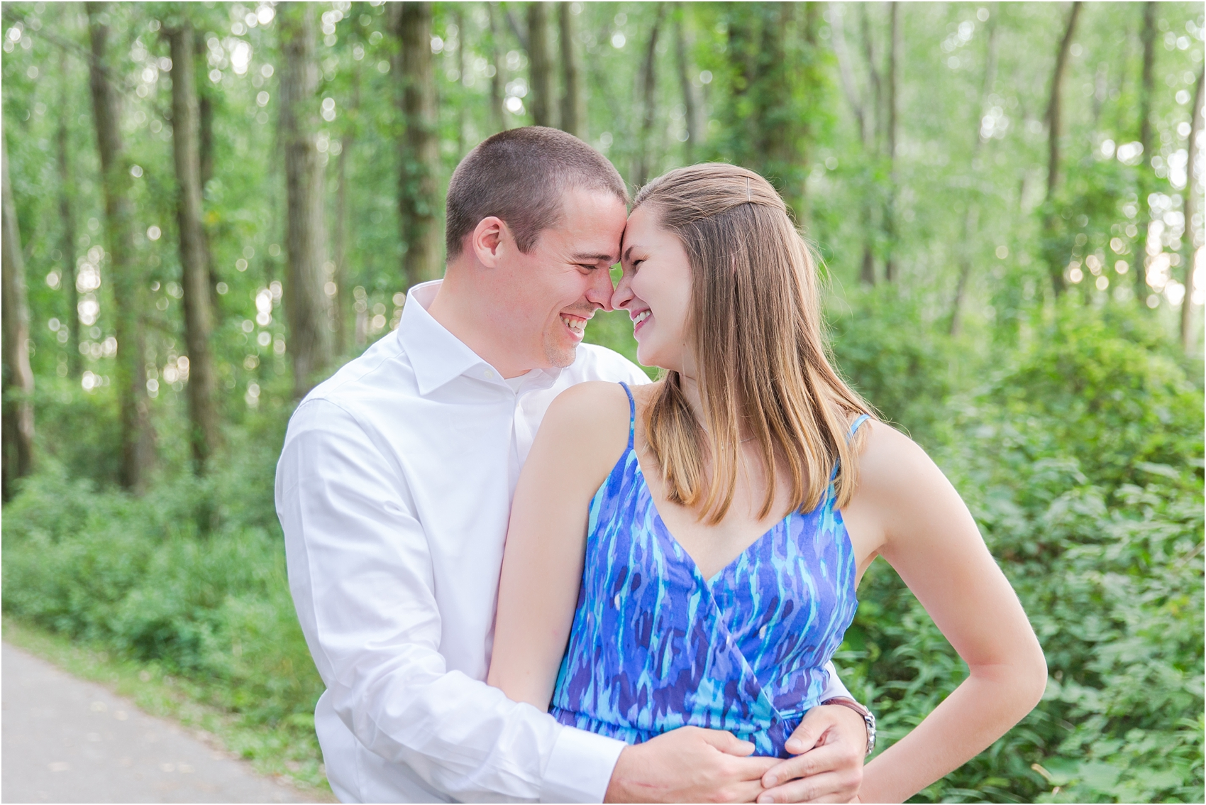 light-hearted-sunset-engagement-photos-at-the-beach-in-oregon-oh-by-courtney-carolyn-photography_0001.jpg