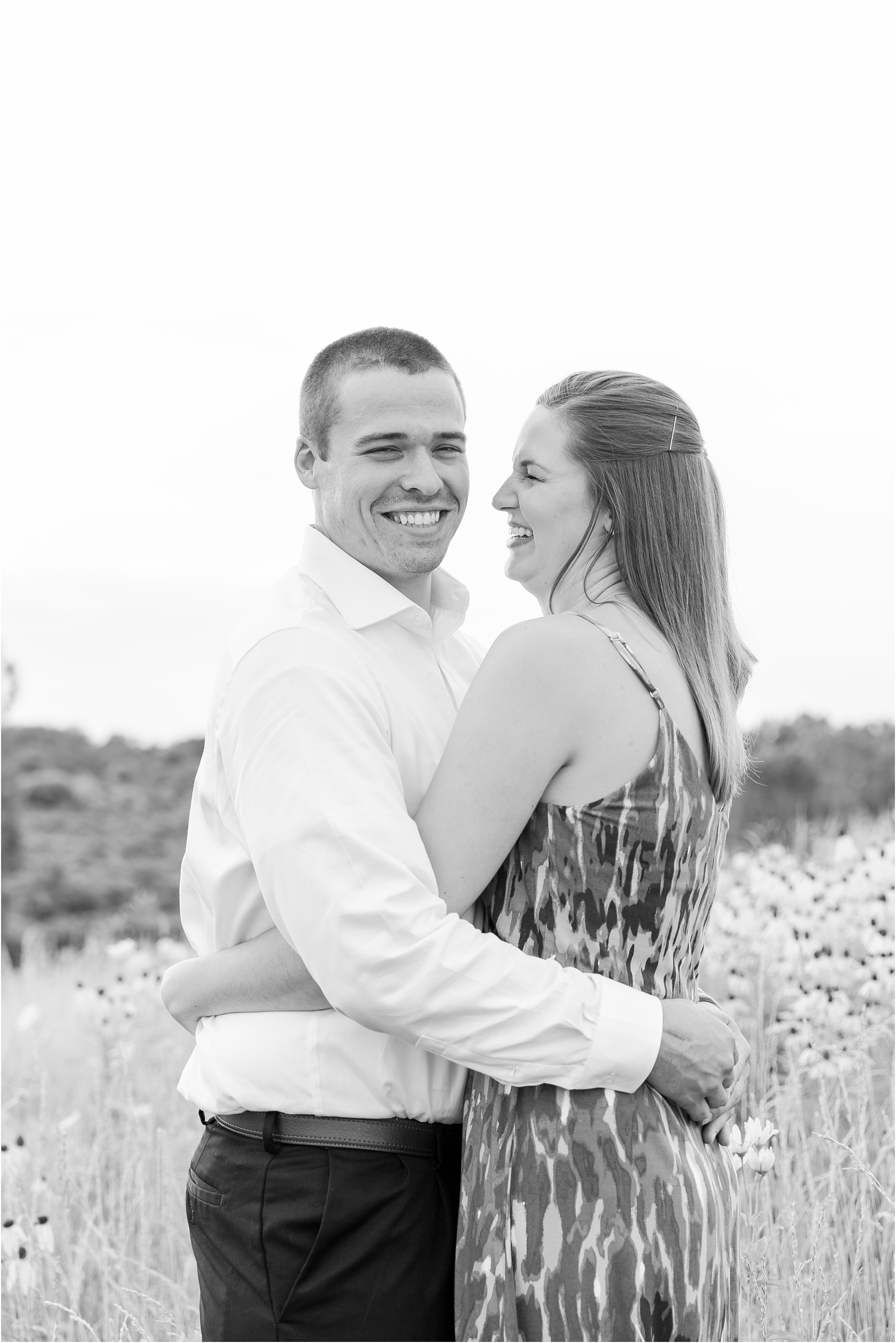 light-hearted-sunset-engagement-photos-at-the-beach-in-oregon-oh-by-courtney-carolyn-photography_0014.jpg