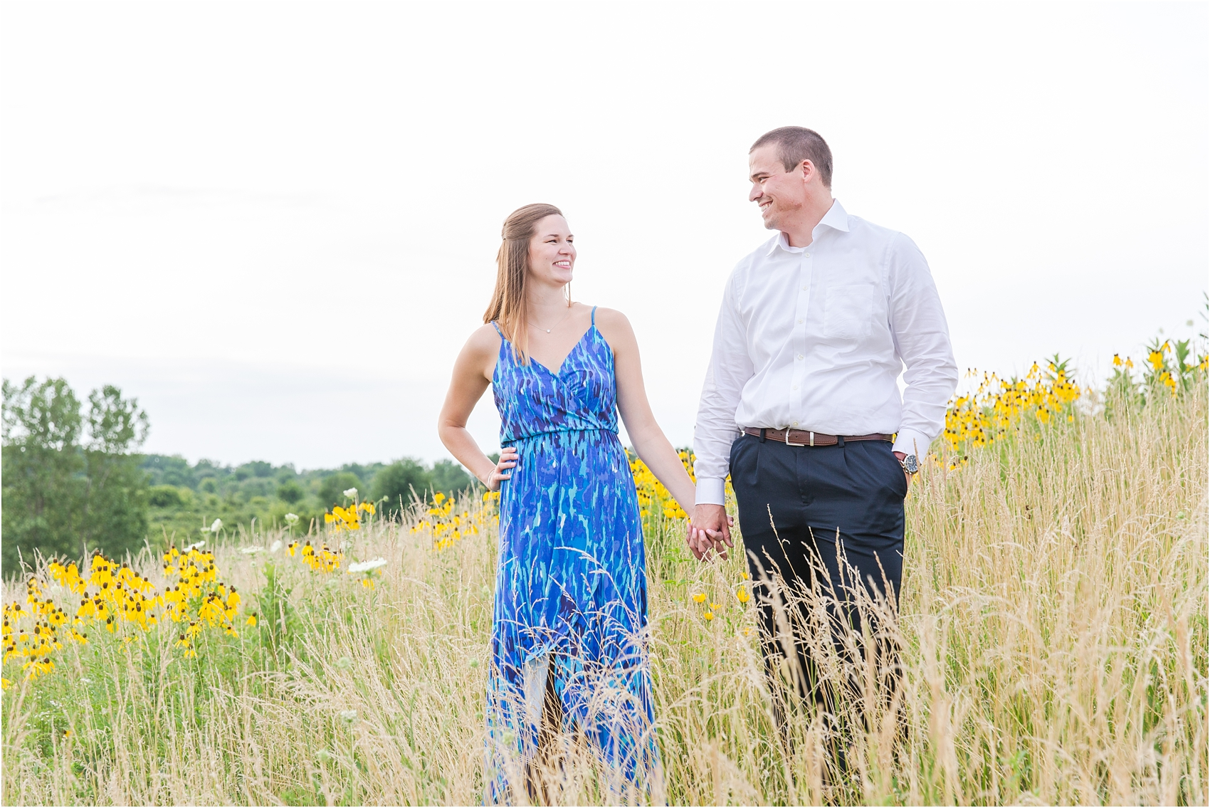 light-hearted-sunset-engagement-photos-at-the-beach-in-oregon-oh-by-courtney-carolyn-photography_0015.jpg