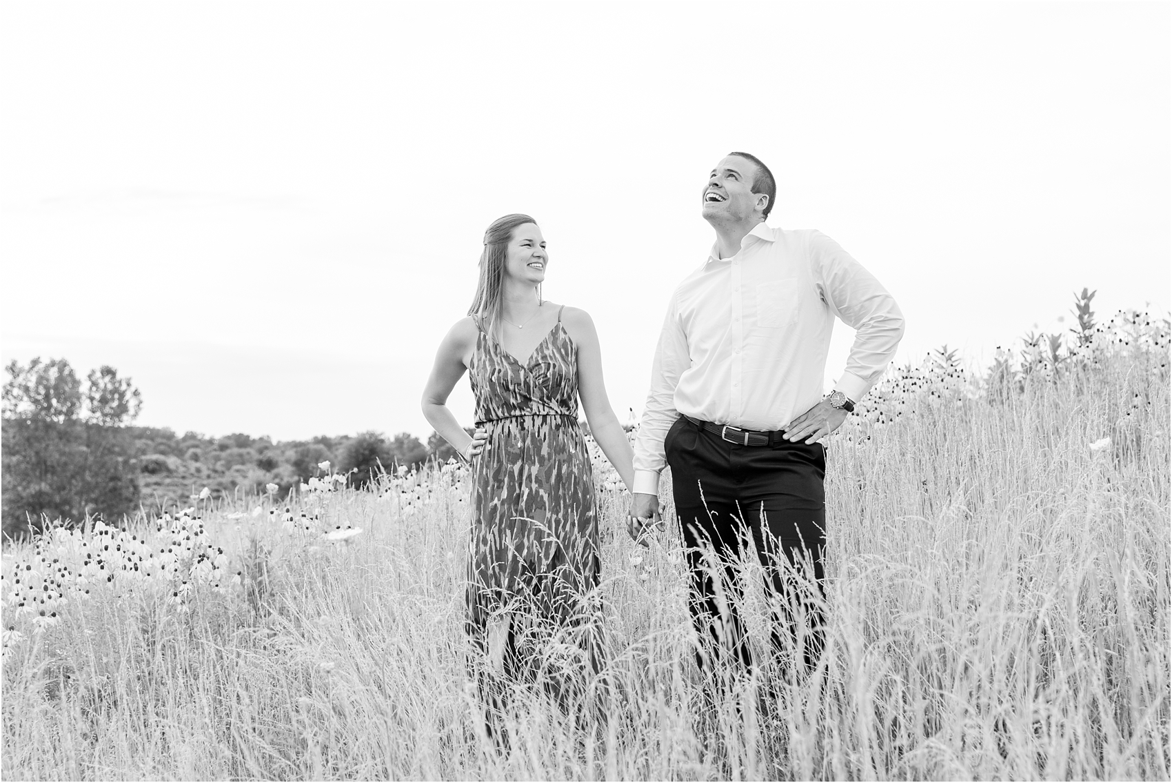 light-hearted-sunset-engagement-photos-at-the-beach-in-oregon-oh-by-courtney-carolyn-photography_0017.jpg