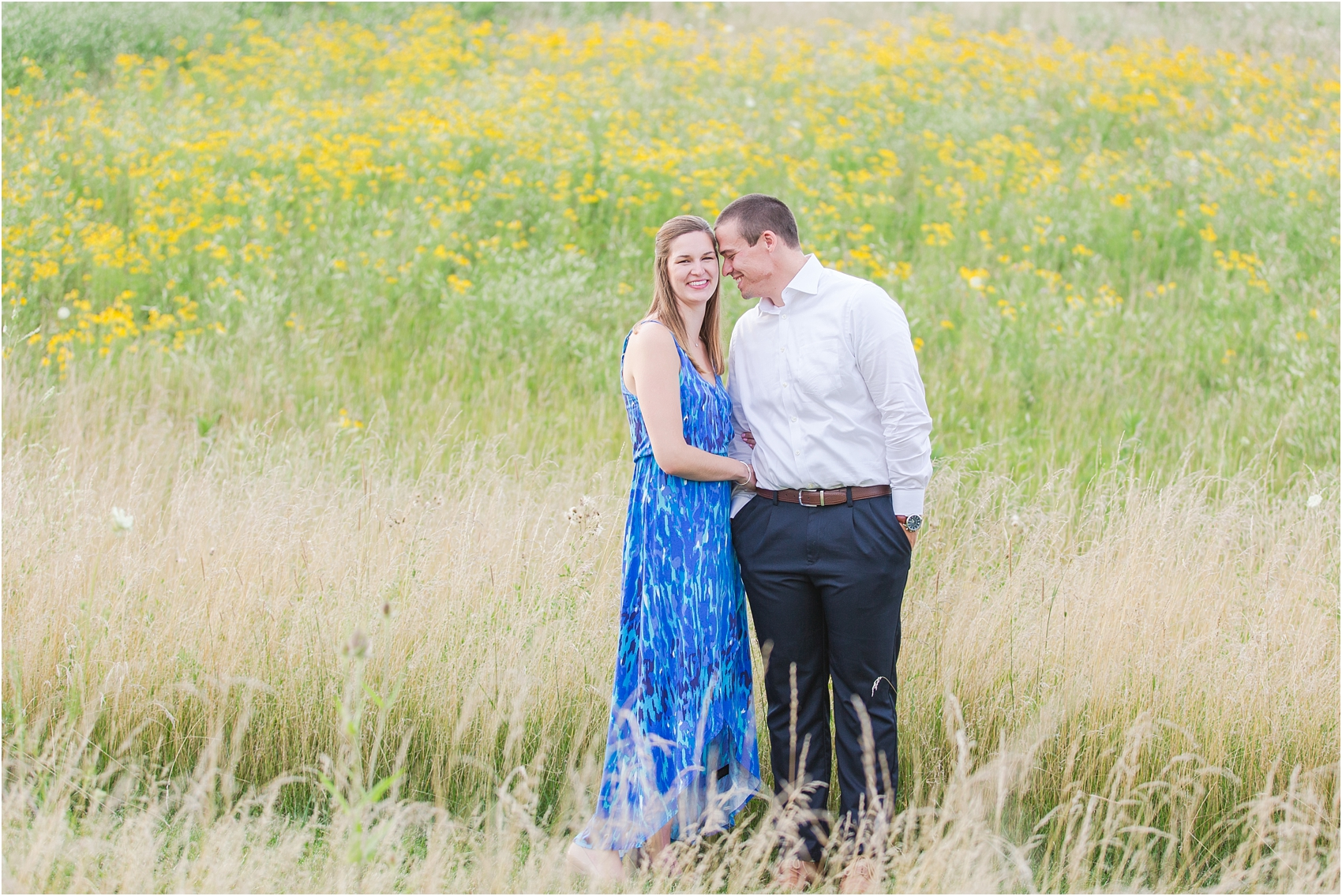 light-hearted-sunset-engagement-photos-at-the-beach-in-oregon-oh-by-courtney-carolyn-photography_0019.jpg