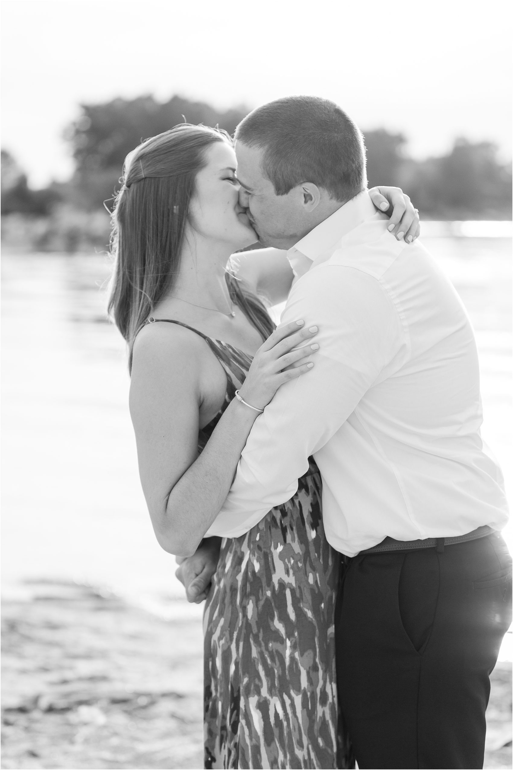 light-hearted-sunset-engagement-photos-at-the-beach-in-oregon-oh-by-courtney-carolyn-photography_0020.jpg