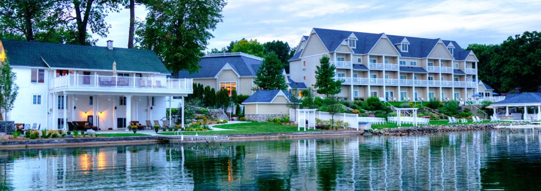 hotels-and-motels-Baypointe-Inn-1500x530.jpg